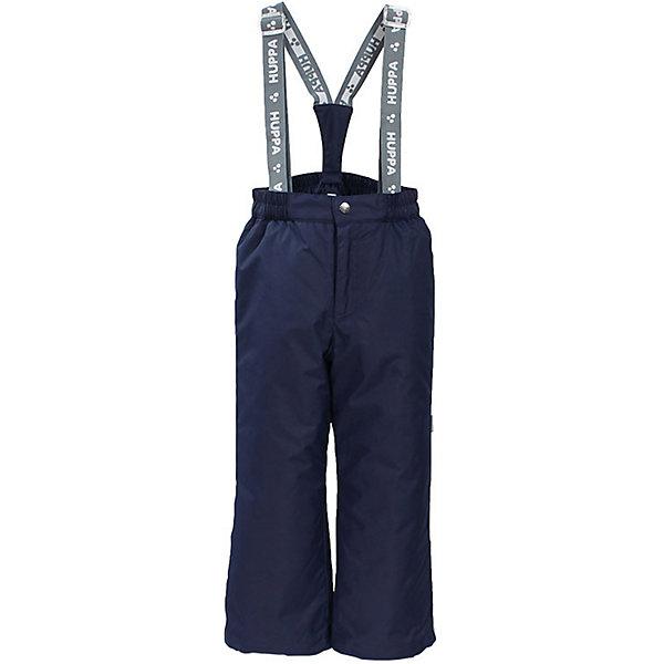 Брюки FREJA Huppa для мальчикаВерхняя одежда<br>Характеристики товара:<br><br>• цвет: синий;<br>• пол: мальчик;<br>• состав: 100% полиэстер;<br>• утеплитель: нового поколенияHuppaTherm, 160 гр.;<br>• подкладка: тафта;<br>• сезон: зима;<br>• температурный режим: от - 5 до - 30С;<br>• водонепроницаемость: 10000 мм;<br>• воздухопроницаемость: 10000 г/м2/24ч;<br>• влагоустойчивая и дышащая ткань; <br>• эластичные подтяжки съемные, регулируются по длине;<br>• добавлены петли для подтяжек;<br>• сидельный шов проклеен и не пропускает влагу;<br>• внутренние снегозащитные манжеты на штанинах;<br>• светоотражающие элементы для безопасности ребенка;<br>• страна бренда: Финляндия;<br>• страна изготовитель: Эстония.<br><br>Зимние брюки Freja для мальчика фирмы HUPPA - это отличный вариант для холодной зимы.<br><br>Зимние брюки для мальчика  фирмы HUPPA с утеплителем 160 грамм подойдут на температуру от -5 до -30 градусов. Высокий показатель водонепроницаемости и проклеенные швы надежно защитят от влаги и ветра. На поясе — эластичный шнур с фиксатором, отстегивающиеся подтяжки.<br><br>Функциональные элементы: пояс на резинке, подол штанин с утяжкой с фиксатором, снежные гетры. <br><br>Зимние брюки Freja для мальчика фирмы HUPPA  можно купить в нашем интернет-магазине.<br><br>Ширина мм: 215<br>Глубина мм: 88<br>Высота мм: 191<br>Вес г: 336<br>Цвет: синий<br>Возраст от месяцев: 96<br>Возраст до месяцев: 108<br>Пол: Мужской<br>Возраст: Детский<br>Размер: 134,152,140,128,158,122,146<br>SKU: 7027627