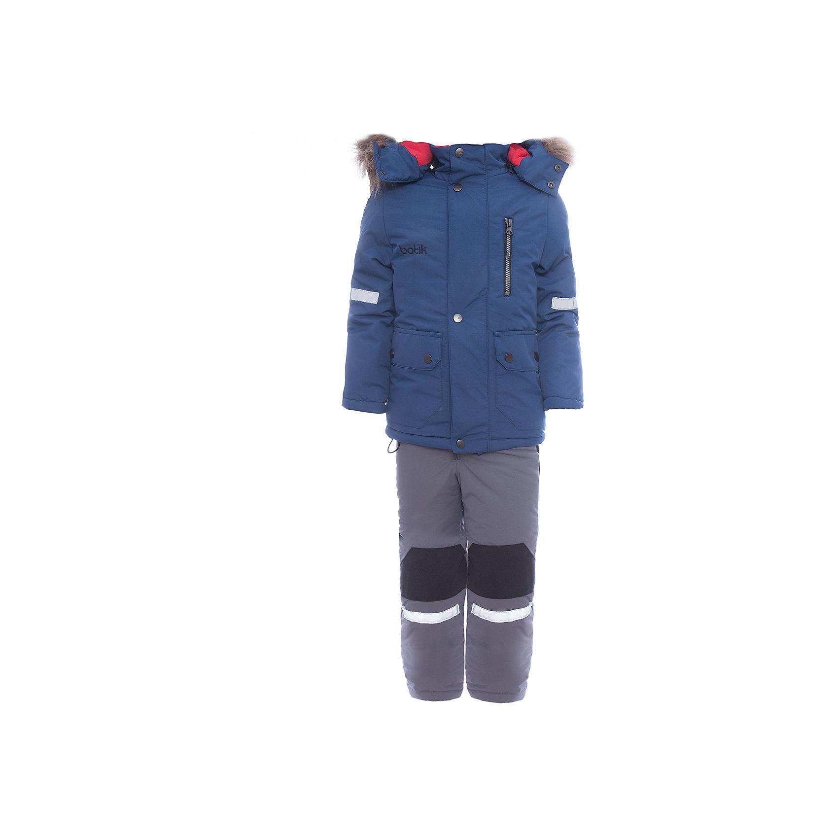 Комплект: куртка и полукомбенизон Артур Batik для мальчикаВерхняя одежда<br>Комплект: куртка и полукомбенизон Артур Batik для мальчика<br>Верхняя ткань обладает водоотталкивающими и ветрозащитными свойствами мембраны. Полукомбинезон с отстегивающимися лямками, имеются липучки для регулировки ширины низа брюк. Куртка на молнии с ветрозащитной планкой и юбкой внутри, светоотражающими элементами. Капюшон на молнии со съемной опушкой.<br>Состав:<br>Ткань верха - TASLON OXFORD;  Утеплитель - Слайтекс 300;  Подкладка - Полар флис;<br><br>Ширина мм: 356<br>Глубина мм: 10<br>Высота мм: 245<br>Вес г: 519<br>Цвет: синий<br>Возраст от месяцев: 72<br>Возраст до месяцев: 84<br>Пол: Мужской<br>Возраст: Детский<br>Размер: 122,104,110,116<br>SKU: 7028018