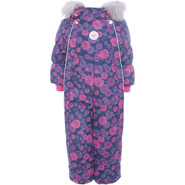 Комбинезон Сара Batik для девочкиВерхняя одежда<br>Характеристики товара:<br><br>• цвет: синий<br>• состав ткани: таслан<br>• подкладка: поларфлис<br>• утеплитель: слайтекс<br>• сезон: зима<br>• мембранное покрытие<br>• температурный режим: от -35 до 0<br>• водонепроницаемость: 5000 мм <br>• паропроницаемость: 5000 г/м2<br>• плотность утеплителя: 350 г/м2<br>• застежка: молния<br>• капюшон: с мехом<br>• опушка отстегивается<br>• силиконовые штрипки<br>• страна бренда: Россия<br>• страна изготовитель: Россия<br><br>Этот удобный комбинезон декорирован принтом. Верх детского комбинезона надежно защищает от холода и влаги. Подкладка комбинезона для девочки мягкая и теплая. Детский зимний комбинезон дополнен капюшоном, силиконовыми штрипками и удобными молниями. <br><br>Комбинезон Сара Batik (Батик) для девочки можно купить в нашем интернет-магазине.<br><br>Ширина мм: 356<br>Глубина мм: 10<br>Высота мм: 245<br>Вес г: 519<br>Цвет: синий<br>Возраст от месяцев: 12<br>Возраст до месяцев: 15<br>Пол: Женский<br>Возраст: Детский<br>Размер: 80,86<br>SKU: 7028078