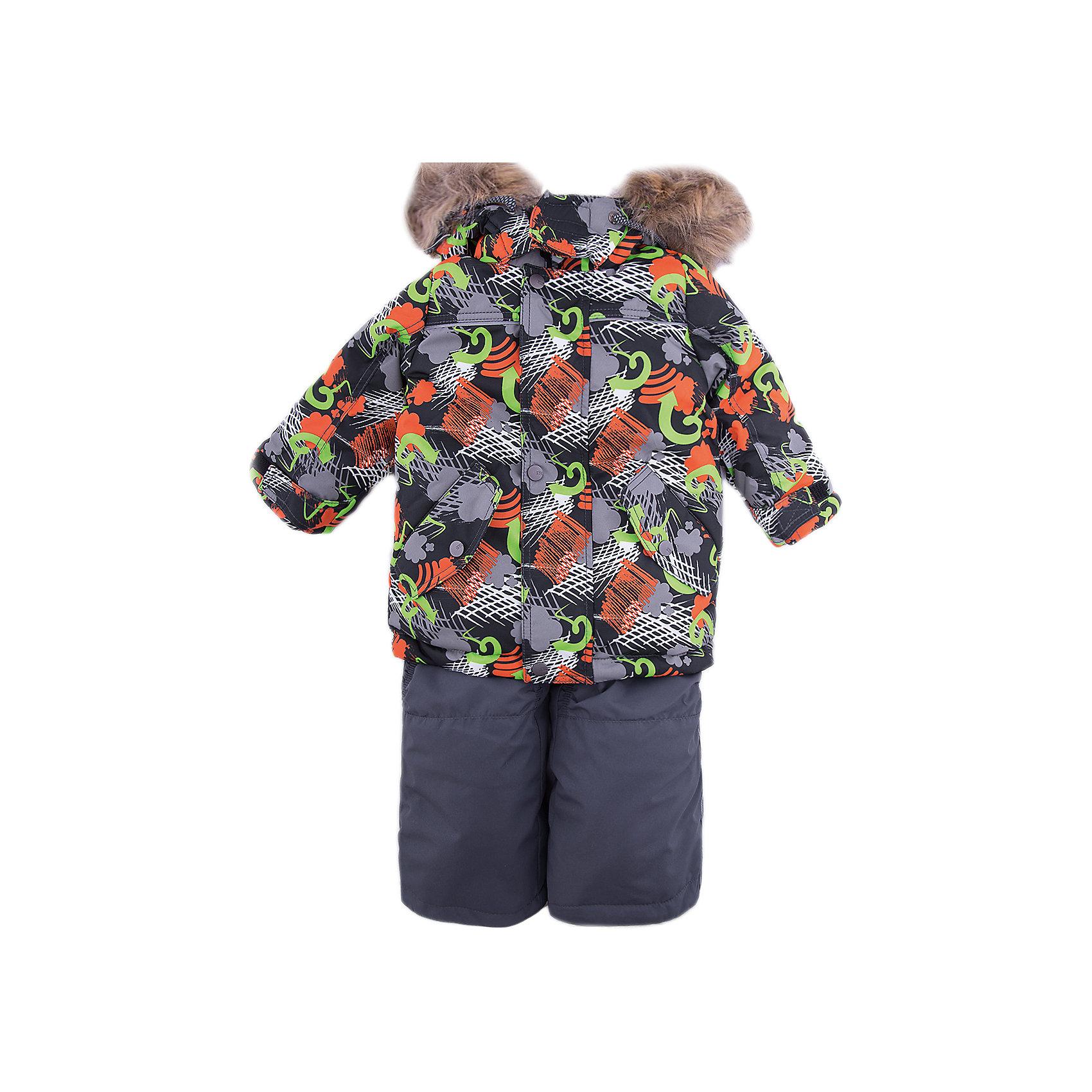 Комплект: куртка и полукомбенизон Дима Batik для мальчикаВерхняя одежда<br>Характеристики товара:<br><br>• цвет: красный<br>• комплектация: куртка и полукомбинезон, толстовка<br>• состав ткани: таслан<br>• подкладка: поларфлис<br>• утеплитель: слайтекс<br>• сезон: зима<br>• мембранное покрытие<br>• температурный режим: от -35 до 0<br>• водонепроницаемость: 5000 мм <br>• паропроницаемость: 5000 г/м2<br>• плотность утеплителя: куртка - 350 г/м2, полукомбинезон - 200 г/м2<br>• застежка: молния<br>• капюшон: с мехом, отстегивается<br>• в комплекте толстовка<br>• встроенный термодатчик<br>• страна бренда: Россия<br>• страна изготовитель: Россия<br><br>Такой зимний комплект для ребенка дополнен множеством полезных деталей. Модный мембранный комплект для мальчика элементарно чистится и долго служит. Детский комплект для зимы сделан легкого, но теплого материала. Этот мембранный комплект для мальчика отличается удобной системой регулировки размера под ребенка. <br><br>Комплект: куртка и полукомбинезон Дима Batik (Батик) для мальчика можно купить в нашем интернет-магазине.<br><br>Ширина мм: 356<br>Глубина мм: 10<br>Высота мм: 245<br>Вес г: 519<br>Цвет: оранжевый<br>Возраст от месяцев: 12<br>Возраст до месяцев: 18<br>Пол: Мужской<br>Возраст: Детский<br>Размер: 86,116,110,104,98,92<br>SKU: 7028305