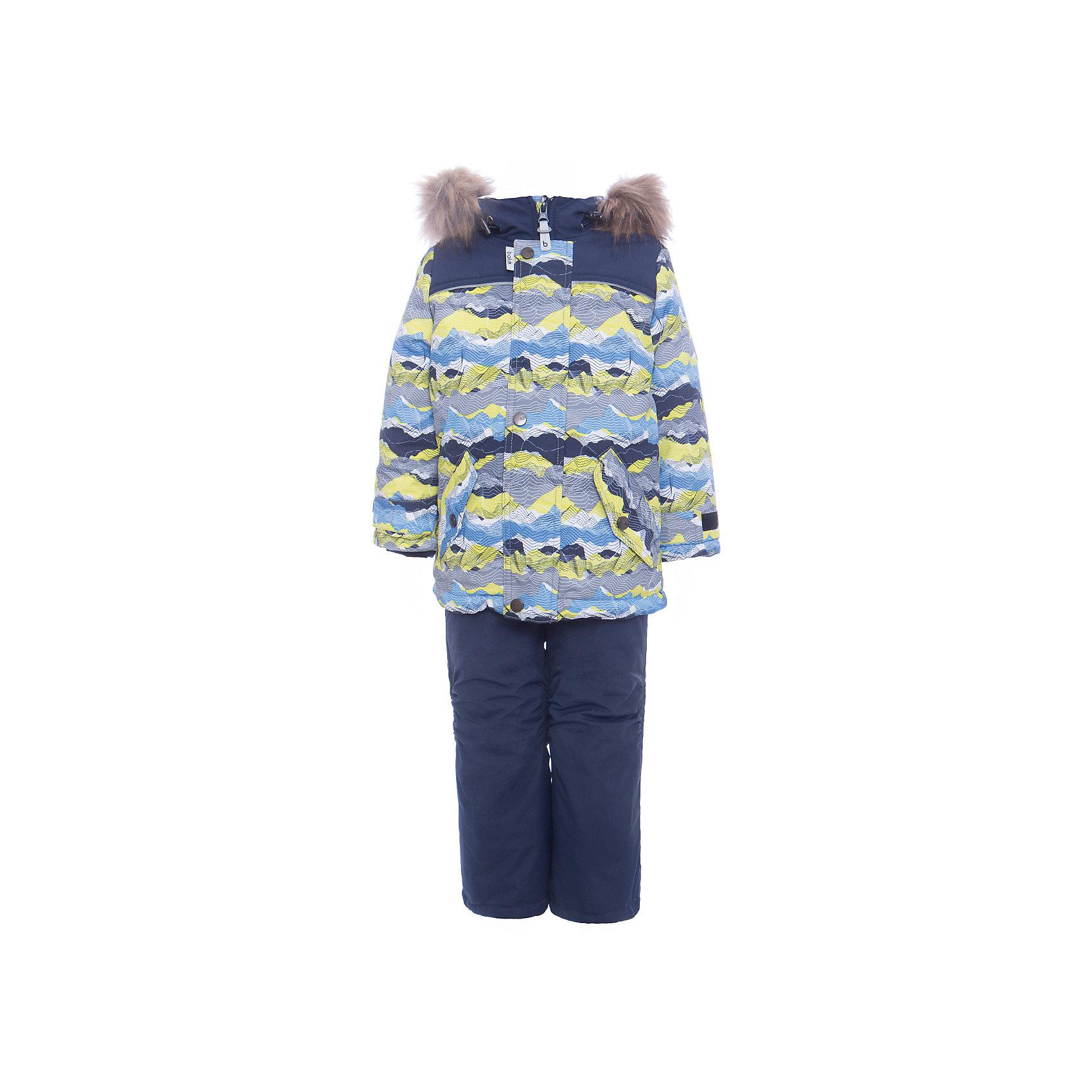 Комплект: куртка и полукомбенизон Адам Batik для мальчикаВерхняя одежда<br>Характеристики товара:<br><br>• цвет: бирюзовый<br>• комплектация: куртка и полукомбинезон, толстовка<br>• состав ткани: таслан<br>• подкладка: поларфлис<br>• утеплитель: слайтекс<br>• сезон: зима<br>• мембранное покрытие<br>• температурный режим: от -35 до 0<br>• водонепроницаемость: 5000 мм <br>• паропроницаемость: 5000 г/м2<br>• плотность утеплителя: куртка - 350 г/м2, полукомбинезон - 200 г/м2<br>• застежка: молния<br>• капюшон: с мехом, отстегивается<br>• силиконовые штрипки<br>• встроенный термодатчик<br>• страна бренда: Россия<br>• страна изготовитель: Россия<br><br>Флисовая подкладка детского комплекта для зимы обеспечивает высокий уровень комфорта. Мембранное покрытие такого комплекта для мальчика позволяет ребенку не мерзнуть в сильный мороз. Это зимний комплект для мальчика дополнен удобными карманами и капюшоном. Зимний детский комплект защитит ребенка от попадания снега внутрь благодаря манжетам. <br><br>Комплект: куртка и полукомбинезон Адам Batik (Батик) для мальчика можно купить в нашем интернет-магазине.<br><br>Ширина мм: 356<br>Глубина мм: 10<br>Высота мм: 245<br>Вес г: 519<br>Цвет: зеленый<br>Возраст от месяцев: 60<br>Возраст до месяцев: 72<br>Пол: Мужской<br>Возраст: Детский<br>Размер: 116,92,98,104,110<br>SKU: 7028347