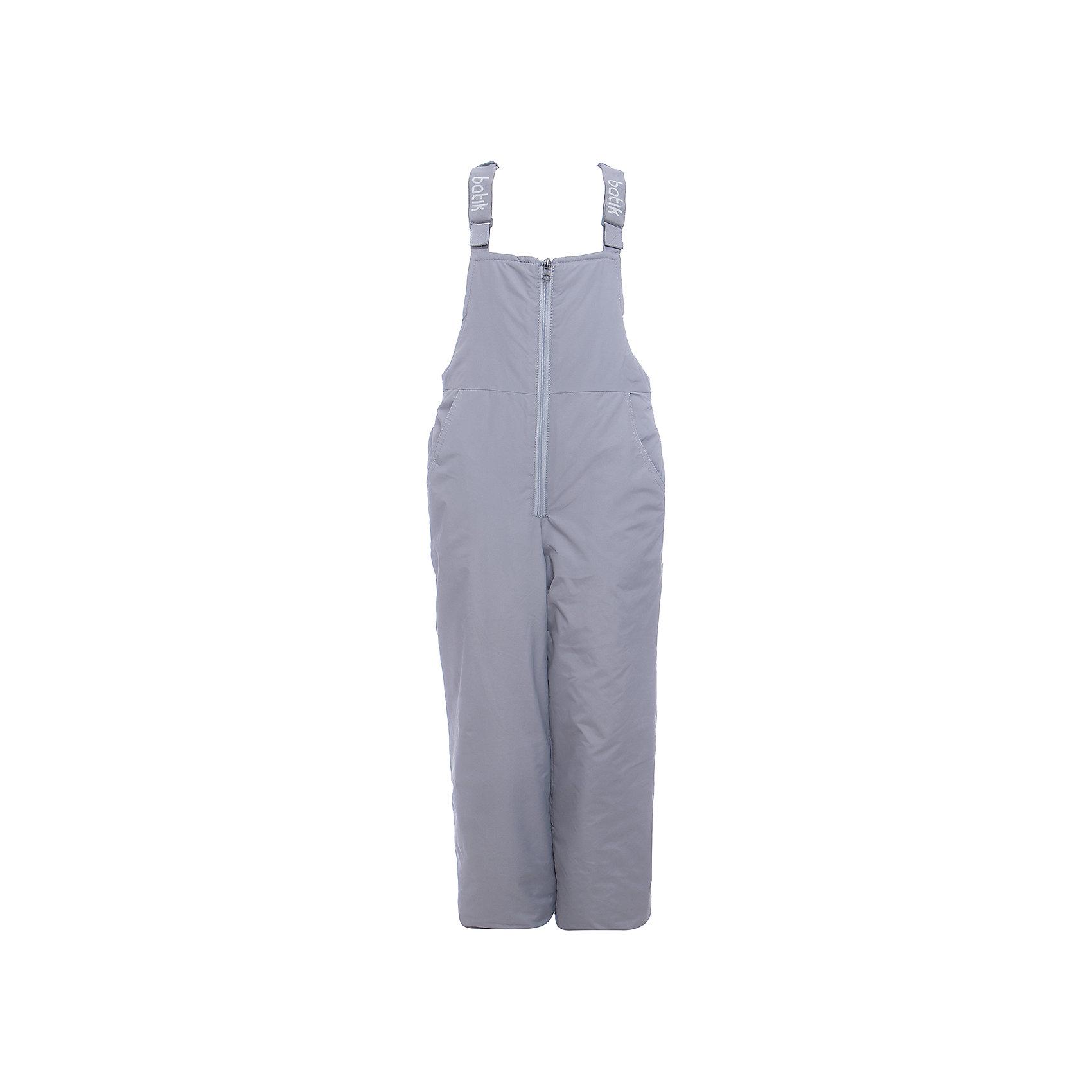 Полукомбинезон Вспышка Batik для девочкиВерхняя одежда<br>Характеристики товара:<br><br>• цвет: серый<br>• состав ткани: таслан<br>• подкладка: полиэстер<br>• утеплитель: слайтекс<br>• сезон: зима<br>• мембранное покрытие<br>• температурный режим: от -35 до 0<br>• водонепроницаемость: 5000 мм <br>• паропроницаемость: 5000 г/м2<br>• плотность утеплителя: 200 г/м2<br>• застежка: молния<br>• лямки регулируются<br>• страна бренда: Россия<br>• страна изготовитель: Россия<br><br>Зимний полукомбинезон для ребенка отличается стильным дизайном, разработанным специально для детей. Этот детский полукомбинезон дополнен регулирующимися лямками. Зимний мембранный полукомбинезон для девочки легко чистится и долго служит. Детский полукомбинезон сделан легкого, качественного и теплого материала. <br><br>Полукомбинезон Вспышка Batik (Батик) для девочки можно купить в нашем интернет-магазине.<br><br>Ширина мм: 215<br>Глубина мм: 88<br>Высота мм: 191<br>Вес г: 336<br>Цвет: серый<br>Возраст от месяцев: 108<br>Возраст до месяцев: 120<br>Пол: Женский<br>Возраст: Детский<br>Размер: 140,98,104,110,116,122,128,134<br>SKU: 7028511