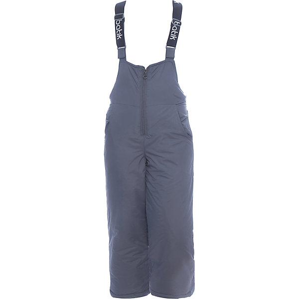 Полукомбинезон Вспышка Batik для мальчикаВерхняя одежда<br>Характеристики товара:<br><br>• цвет: графит<br>• состав ткани: таслан<br>• подкладка: полиэстер<br>• утеплитель: слайтекс<br>• сезон: зима<br>• мембранное покрытие<br>• температурный режим: от -35 до 0<br>• водонепроницаемость: 5000 мм <br>• паропроницаемость: 5000 г/м2<br>• плотность утеплителя: 200 г/м2<br>• застежка: молния<br>• лямки регулируются<br>• страна бренда: Россия<br>• страна изготовитель: Россия<br><br>Детский полукомбинезон сделан легкого, качественного и теплого материала. Теплый полукомбинезон для ребенка отличается стильным дизайном, разработанным специально для детей. Этот детский полукомбинезон дополнен регулирующимися лямками. Зимний мембранный полукомбинезон для мальчика легко чистится и долго служит. <br><br>Полукомбинезон Вспышка Batik (Батик) для мальчика можно купить в нашем интернет-магазине.<br>Ширина мм: 215; Глубина мм: 88; Высота мм: 191; Вес г: 336; Цвет: серый; Возраст от месяцев: 24; Возраст до месяцев: 36; Пол: Мужской; Возраст: Детский; Размер: 98,140,134,128,122,116,110,104; SKU: 7028531;