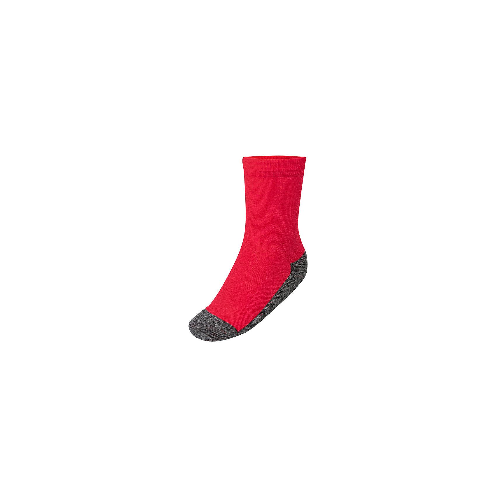 Термоноски multifunctional Lamba villoНоски<br>Характеристики товара:<br><br>• цвет: красный;<br>• состав ткани: 65% шерсть, 30% полипропилен, 5% эластан;<br>• температурный режим: от +5° С до -25° С;<br>• сезон: зима;<br>• широкая резинка не стягивает ногу;<br>• однотонные;<br>• махровая стопа;<br>• страна изготовитель: Латвия.<br><br>Термоноски Ламба Вилло выполнены из шерсти, которая обладает гипоаллергенными свойствами, поэтому не вызывает раздражения, даже если надета на голую ногу. Они эффективно согревают ноги, поглощают и отводят влагу.<br><br>Обратите внимание на условия стирки, указанные на упаковке, чтобы вещь оставалась как новая долгое время.<br><br>ТермоТермоноски Lamba villo  можно купить в нашем интернет-магазине.<br><br>Ширина мм: 87<br>Глубина мм: 10<br>Высота мм: 105<br>Вес г: 115<br>Цвет: красный<br>Возраст от месяцев: 15<br>Возраст до месяцев: 18<br>Пол: Унисекс<br>Возраст: Детский<br>Размер: 19-22,23-26,35-38,31-34,27-30<br>SKU: 7031834