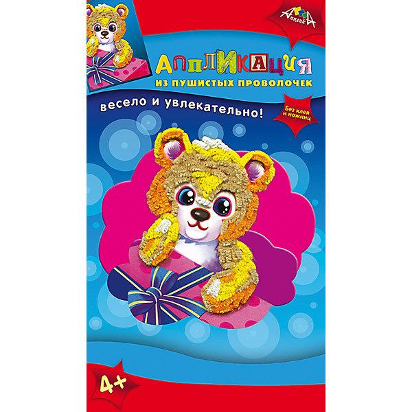 Набор для детского творчества Аппликация в подарок Медвежонок, Попугай, Черепашка, ХамелеонБумага<br>Характеристики:<br><br>• возраст: от 4 лет<br>• комплектация: две аппликация из мягкого пластика (2 цветные картонные основы А6 и вырубленные элементы из самоклеящегося мягкого пластика); 2 аппликации из пушистых проволочек (2 цветные основы, пушистые проволочки, пластмассовые инструменты для сгибания); инструкция<br>• размер упаковки: 29х17,5х3 см.<br>• вес: 180 гр.<br><br>С помощью этого набора ребенок сможет создать своими руками 4 картины: две аппликации из мягкого пластика с изображением черепахи и хамелеона, две аппликации из пушистых проволочек с изображением медвежонка и попугая.<br><br>Процесс создания аппликаций прост, а результат великолепен. Для работы не потребуется ни клея, ни ножниц. Чтобы сделать аппликацию из мягкого пластика, необходимо отделить пластик от защитного слоя и приклеить к цветной основе. Чтобы сделать аппликацию из пушистых проволочек нужно согнуть пушистую проволочку и воткнуть ее в цветную основу.<br><br>Готовые работы станут прекрасным украшением дома или замечательным подарком.<br><br>Набор для детского творчества способствует формированию у ребенка усидчивости, внимательности и аккуратности, развивает мелкую моторику рук.<br><br>Набор для детского творчества «Аппликация в подарок Медвежонок, Попугай, Черепашка, Хамелеон» можно купить в нашем интернет-магазине.<br>Ширина мм: 290; Глубина мм: 175; Высота мм: 30; Вес г: 180; Возраст от месяцев: 48; Возраст до месяцев: 2147483647; Пол: Унисекс; Возраст: Детский; SKU: 7033664;