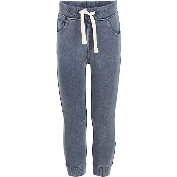Брюки Button Blue для мальчикаБрюки<br>Характеристики товара:<br><br>• цвет: синий джинс;<br>• состав: 95% хлопок, 5% эластан;<br>• сезон: демисезон;<br>• особенности: на резинке;<br>• пояс на резинке со шнурком-завязкой;<br>• эластичные штанины;<br>• имитация джинс;<br>• два накладных кармана сзади;<br>• два кармана спереди + мини карман;<br>• страна бренда: Россия;<br>• страна изготовитель: Китай.<br><br>Брюки на резинке для мальчика. Брюки спортивного кроя на резинке, дополнены шнурком-завязкой для регулировки обхвата талии. <br><br>Брюки Button Blue (Баттон Блю) можно купить в нашем интернет-магазине.<br>Ширина мм: 215; Глубина мм: 88; Высота мм: 191; Вес г: 336; Цвет: голубой; Возраст от месяцев: 96; Возраст до месяцев: 108; Пол: Мужской; Возраст: Детский; Размер: 134,128,122,116,110,104,98,158,152,146,140; SKU: 7038713;