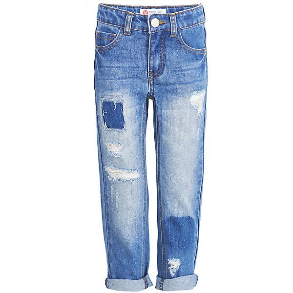 Джинсы Button Blue для мальчикаДжинсы<br>Характеристики товара:<br><br>• цвет: голубой;<br>• состав: 100% хлопок;<br>• сезон: демисезон;<br>• особенности: однотонные, с потертостями;<br>• застежка: ширинка на молнии и пуговица;<br>• внутренняя регулировка обхвата талии;<br>• штанины с отворотами;<br>• накладные карманы сзади;<br>• два кармана спереди + мини-карман;<br>• страна бренда: Россия;<br>• страна изготовитель: Китай.<br><br>Джинсы с потертостями для мальчика. Голубые джинсы с отворотами застегиваются на ширинку на молнии и пуговицу. <br><br>Джинсы Button Blue (Баттон Блю) можно купить в нашем интернет-магазине.<br>Ширина мм: 215; Глубина мм: 88; Высота мм: 191; Вес г: 336; Цвет: темно-синий; Возраст от месяцев: 24; Возраст до месяцев: 36; Пол: Мужской; Возраст: Детский; Размер: 98,158,152,146,140,134,128,122,116,110,104; SKU: 7038797;