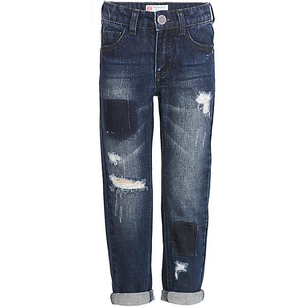 Джинсы Button Blue для мальчикаДжинсы<br>Характеристики товара:<br><br>• цвет: темно-синий;<br>• состав: 100% хлопок;<br>• сезон: демисезон;<br>• особенности: однотонные, с потертостями;<br>• застежка: ширинка на молнии и пуговица;<br>• внутренняя регулировка обхвата талии;<br>• штанины с отворотами;<br>• накладные карманы сзади;<br>• два кармана спереди + мини-карман;<br>• страна бренда: Россия;<br>• страна изготовитель: Китай.<br><br>Джинсы с потертостями для мальчика. Голубые джинсы с отворотами застегиваются на ширинку на молнии и пуговицу. <br><br>Джинсы Button Blue (Баттон Блю) можно купить в нашем интернет-магазине.<br>Ширина мм: 215; Глубина мм: 88; Высота мм: 191; Вес г: 336; Цвет: черный; Возраст от месяцев: 24; Возраст до месяцев: 36; Пол: Мужской; Возраст: Детский; Размер: 98,158,152,146,140,134,128,122,116,110,104; SKU: 7038809;
