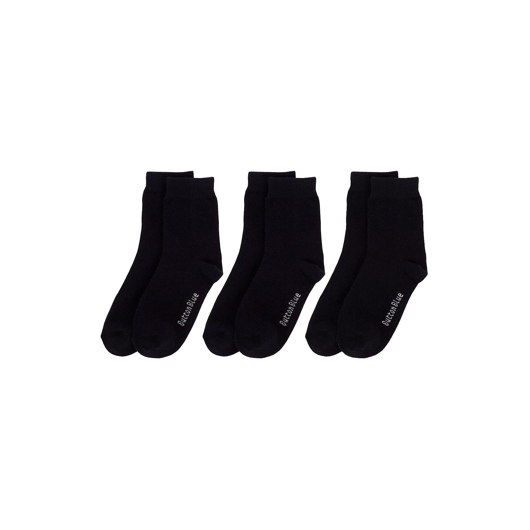 Носки BUTTON BLUE для мальчикаНоски<br>Носки BUTTON BLUE для мальчика<br>Детские носки - необходимая вещь на каждый день. И их в гардеробе ребенка должно быть немало. Если вы решили дополнить осенне-зимний гардероб ребенка хлопковыми носками, вам необходимо купить комплект из трех пар. Вы думаете, что хорошие и недорогие носки - это невозможно? Носки от Button Blue убедят вас в обратном!<br>Состав:<br>80%хлопок 18%полиамид 2% эластан<br><br>Ширина мм: 87<br>Глубина мм: 10<br>Высота мм: 105<br>Вес г: 115<br>Цвет: черный<br>Возраст от месяцев: 15<br>Возраст до месяцев: 18<br>Пол: Мужской<br>Возраст: Детский<br>Размер: 22,14,16,20<br>SKU: 7039422