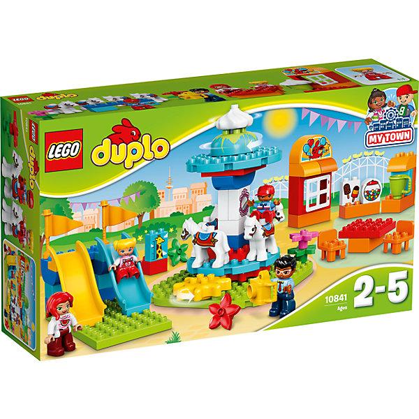 LEGO DUPLO 10841: Семейный парк аттракционовКонструкторы для малышей<br>Характеристики товара: <br><br>• возраст: от 2 лет;<br>• материал: пластик;<br>• в комплекте: 61 деталь, 4 минифигурки;<br>• размер упаковки: 48х28,2х11,8 см;<br>• вес упаковки: 1,19 кг;<br>• страна производитель: Венгрия.<br><br>Конструктор Lego Duplo «Семейный парк аттракционов» позволит собрать яркий парк с аттракционами. Основной аттракцион — вращающаяся карусель с лошадками. Рядом расположены 2 горки, с которых можно скатиться. На территории парка есть кафе, где можно отдохнуть, попить лимонад и отведать мороженое.<br><br>Конструктор Lego Duplo «Семейный парк аттракционов» можно приобрести в нашем интернет-магазине.<br>Ширина мм: 483; Глубина мм: 284; Высота мм: 126; Вес г: 1183; Возраст от месяцев: 24; Возраст до месяцев: 60; Пол: Унисекс; Возраст: Детский; SKU: 7042138;