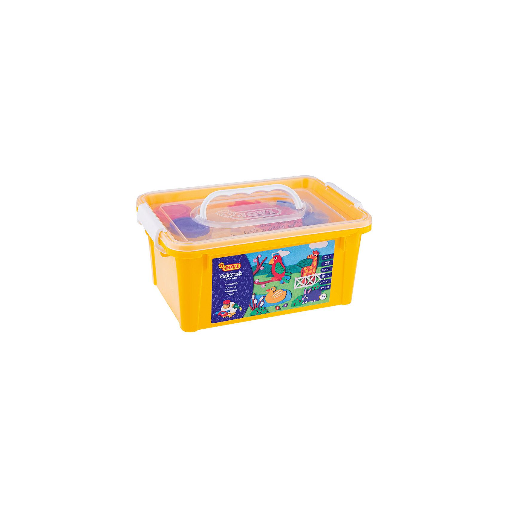 Набор для лепки Зоопарк 5 цветов*50г + аксессуары JOVIНаборы для лепки<br>Количество цветов: 5<br>Вес нетто: 250<br>Возраст: старше 2 лет<br>Затвердевает на воздухе: да<br>Инструменты: есть<br>Формочки: есть<br>Упаковка ед. товара: пластиковый контейнер<br>Большой набор мягкой детской пасты Blandiver с инструментами для лепки, которые специально подобраны для первых опытов лепки с учетом возможностей ребенка раннего возраста, в пластиковом чемоданчике. Пять ярких цветов из основной палитры - белый, желтый, красный, синий, зеленый в баночках по 50 гр объемом 70 мл. В наборе также 12 формочек в виде животных, 4 шприца для формирования пасты, 3 пластиковых стека и клеенка для лепки. Blandiver - мягкая игровая детская паста для лепки с малышами от 2х лет (аналог соленого теста). Натуральный продукт на основе муки, соли и воды. Безвредная, но с неприятным соленым вкусом. Супер мягкая, очень свежая по текстуре,приятная на ощупь, не липкая. Пищевые красители, исключительно безопасный состав. Не имеет химического запаха. Паста легко принимает нужную форму, идеально подходит для маленьких слабых детских рук и предназначена для знакомства ребенка с лепкой и создания простых фигурок руками или с помощью формочек и экструдеров. Помогает развивать мелкую моторику, воображение и интуицию ребенка. Затвердевает на воздухе, сохраняет яркий цвет. После высыхания паста легко снимается влажной губкой или щеткой с одежды, ковров и др. поверхностей, не оставляя следов. Страна производства Испания.<br><br>Ширина мм: 220<br>Глубина мм: 170<br>Высота мм: 90<br>Вес г: 813<br>Возраст от месяцев: 24<br>Возраст до месяцев: 2147483647<br>Пол: Унисекс<br>Возраст: Детский<br>SKU: 7044264