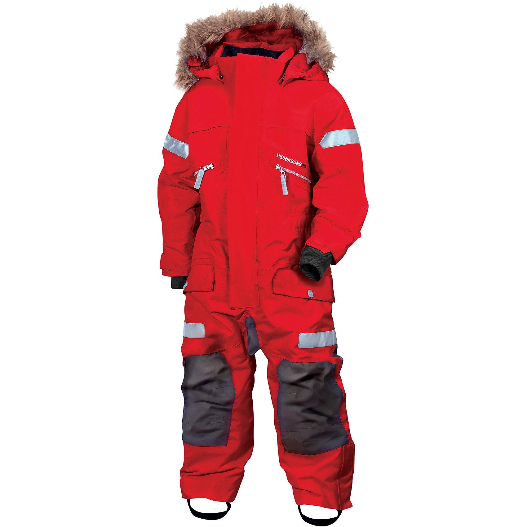 Комбинезон THERON DIDRIKSONS для мальчикаВерхняя одежда<br>Комбинезон из непромокаемой и непродуваемой мембранной ткани с утеплителем (180 г/м2). Проклеенные швы и дополнительная пропитка обеспечивают максимальную защиту от внешней влаги и ветра. Съемный капюшон. Съемный мех на капюшоне. Регулируемые капюшон, талия, рукава, ширина штанин. Внутренние эластичные манжеты с отверстием для большого пальца. Снежные гетры. Фронтальная молния под планкой. Крепления для перчаток и ботинок. Светоотражатели. Модель растет вместе с ребенком: специальный крой позволяет при необходимости увеличить длину рукава и штанин на один размер. Комфортный и надежный комбинезон защитит вашего ребенка в самую ненастную и холодную погоду.<br>Состав:<br>Верх-100% полиамид, подкладка-100% полиэстер<br><br>Ширина мм: 356<br>Глубина мм: 10<br>Высота мм: 245<br>Вес г: 519<br>Цвет: красный<br>Возраст от месяцев: 108<br>Возраст до месяцев: 120<br>Пол: Мужской<br>Возраст: Детский<br>Размер: 140,130,100,110,120<br>SKU: 7044646