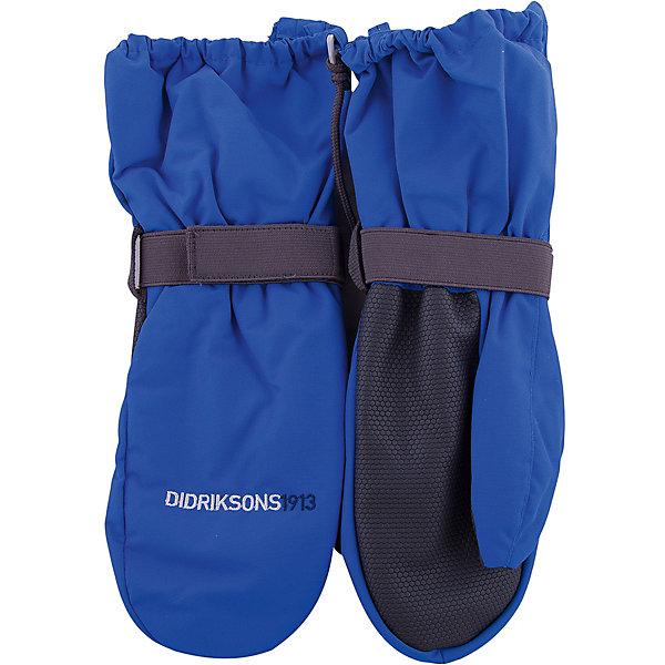 Варежки BIGGLES ZIP DIDRIKSONS для мальчикаПерчатки, варежки<br>Характеристики товара:<br><br>• цвет: синий<br>• состав ткани: 100% полиамид<br>• подкладка: 100% полиэстер (флис)<br>• утеплитель: 100% полиэстер<br>• сезон: зима<br>• мембранная<br>• температурный режим: от -20 до 0<br>• утеплитель: 60 г/м<br>• влагонепроницаемость: 1000 мм <br>• непродуваемые<br>• застежка: молния, резинка<br>• страна бренда: Швеция<br>• страна изготовитель: Китай<br><br>Теплые простые в уходе варежки для детей сделаны из легкого износостойкого материала. Плотный материал таких детских варежек обеспечит защиту от холода и промокания. Прочные теплые варежки плотно держатся на руке благодаря удобной резинке. Эти непромокаемые варежки для ребенка отличаются модным дизайном. <br><br>Варежки для мальчика Biggles Zip Didriksons (Дидриксонс) можно купить в нашем интернет-магазине.<br><br>Ширина мм: 162<br>Глубина мм: 171<br>Высота мм: 55<br>Вес г: 119<br>Цвет: голубой<br>Возраст от месяцев: 12<br>Возраст до месяцев: 24<br>Пол: Мужской<br>Возраст: Детский<br>Размер: 0/2,8/10,6/8,4/6,2/4<br>SKU: 7044960