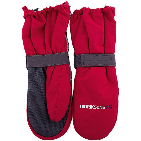 Варежки BIGGLES ZIP DIDRIKSONS для мальчикаВарежки<br>Характеристики товара:<br><br>• цвет: красный<br>• состав ткани: 100% полиамид<br>• подкладка: 100% полиэстер (флис)<br>• утеплитель: 100% полиэстер<br>• сезон: зима<br>• мембранная<br>• температурный режим: от -20 до 0<br>• утеплитель: 60 г/м<br>• влагонепроницаемость: 1000 мм <br>• непродуваемые<br>• застежка: молния, резинка<br>• страна бренда: Швеция<br>• страна изготовитель: Китай<br><br>Яркие простые в уходе варежки для детей сделаны из легкого износостойкого материала. Плотный материал таких детских варежек обеспечит защиту от холода и промокания. Прочные теплые варежки плотно держатся на руке благодаря удобной резинке. Эти непромокаемые варежки для ребенка отличаются модным дизайном. <br><br>Варежки для мальчика Biggles Zip Didriksons (Дидриксонс) можно купить в нашем интернет-магазине.<br>Ширина мм: 162; Глубина мм: 171; Высота мм: 55; Вес г: 119; Цвет: красный; Возраст от месяцев: 84; Возраст до месяцев: 120; Пол: Мужской; Возраст: Детский; Размер: 9,2/3,0/2,6/7,4.5; SKU: 7044978;