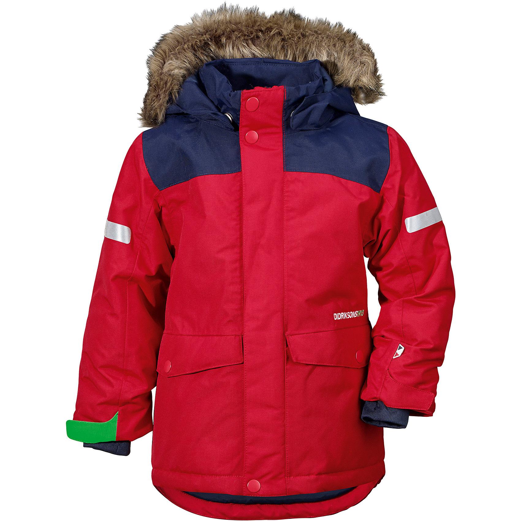 Куртка STORLIEN  DIDRIKSONS для мальчикаВерхняя одежда<br>Характеристики товара:<br><br>• цвет: красный<br>• состав ткани: 100% полиэстер<br>• подкладка: 100% полиэстер<br>• утеплитель: 100% полиэстер<br>• сезон: зима<br>• мембранное покрытие<br>• температурный режим: от -20 до 0<br>• водонепроницаемость: 5000 мм <br>• паропроницаемость: 4000 г/м2<br>• плотность утеплителя: 240 г/м2<br>• швы проклеены<br>• съемный капюшон<br>• съемный искусственный мех на капюшоне<br>• регулируемый капюшон, талия и рукава<br>• внутренние эластичные манжеты с отверстием для большого пальца<br>• крепления для перчаток<br>• светоотражающие детали<br>• застежка: молния, кнопки<br>• штрипки<br>• конструкция позволяет увеличить длину рукава на один размер<br>• страна бренда: Швеция<br>• страна изготовитель: Китай<br><br>Стильная мембранная куртка для ребенка отличается продуманным дизайном. Плотный непромокаемый и непродуваемый верх детской куртки не мешает телу дышать. Модная куртка для ребенка Didriksons рассчитана даже на сильные морозы. Детская куртка от известного шведского бренда теплая и легкая. <br><br>Куртку для мальчика Storlien Didriksons (Дидриксонс) можно купить в нашем интернет-магазине.<br><br>Ширина мм: 356<br>Глубина мм: 10<br>Высота мм: 245<br>Вес г: 519<br>Цвет: красный<br>Возраст от месяцев: 108<br>Возраст до месяцев: 120<br>Пол: Мужской<br>Возраст: Детский<br>Размер: 140,80,90,100,110,120,130<br>SKU: 7045460