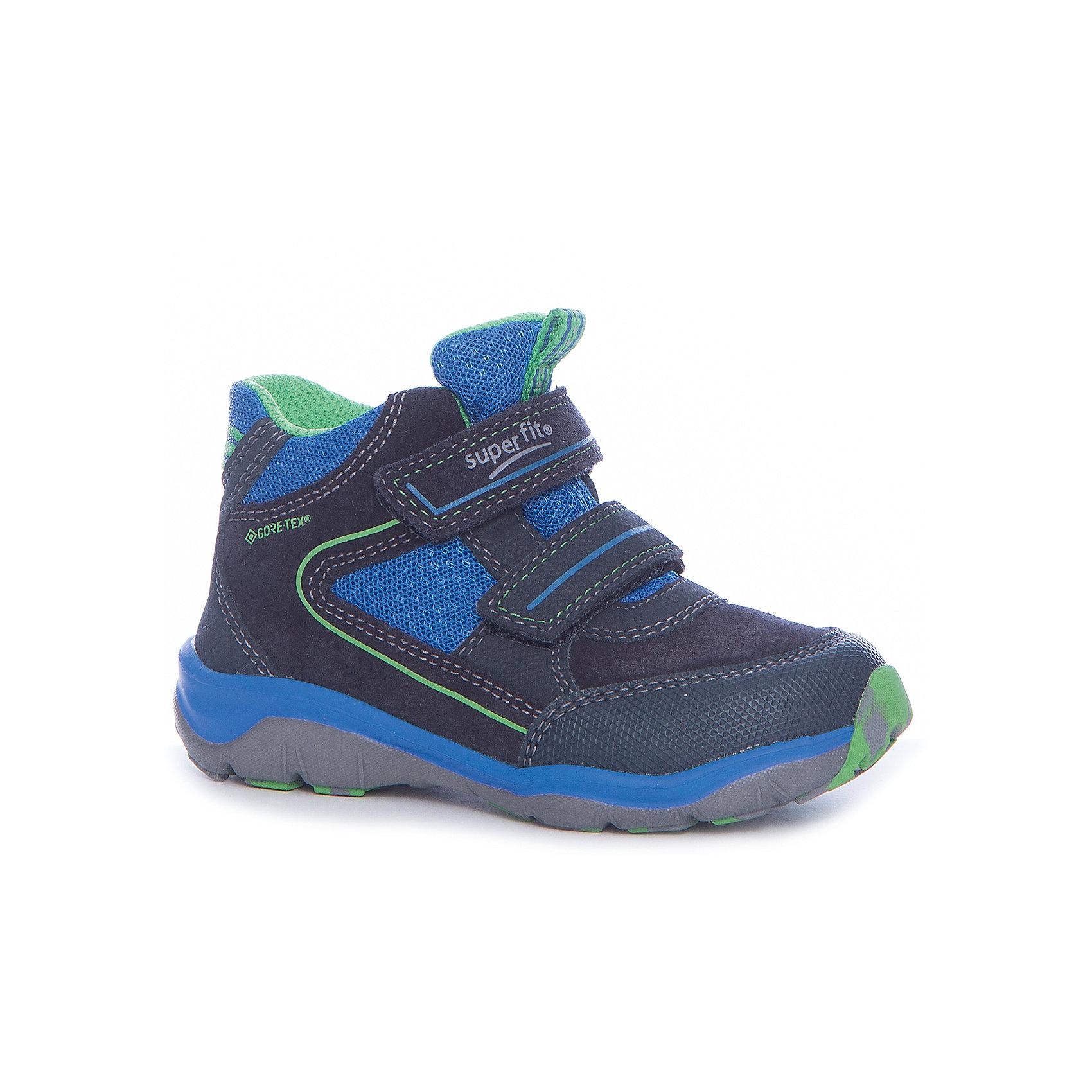 Ботинки Superfit для мальчикаБотинки<br>Характеристики товара:<br><br>• цвет: синий<br>• внешний материал: замша, текстиль<br>• внутренний материал: текстиль<br>• стелька: кожа<br>• подошва: полимер<br>• сезон: демисезон<br>• мембранные<br>• температурный режим: от -10 до +10<br>• особенности модели: спортивный стиль<br>• застежка: липучка<br>• защита мыса <br>• анатомические <br>• подошва не скользит<br>• страна бренда: Австрия<br>• страна изготовитель: Вьетнам<br><br>Демисезонные ботинки для мальчика Superfit легко надеваются и хорошо держатся на ноге благодаря надежной липучке. Удобные ботинки с мембраной Gore-Tex имеют устойчивую подошву и удобную застежку. <br><br>Обувь Superfit не требует сложного ухода. Большинство загрязнений легко удаляются влажной губкой, сильные загрязнения можно смыть под струей воды сразу после прогулки.<br><br>Ботинки для мальчика Superfit (Суперфит) можно купить в нашем интернет-магазине.<br><br>Ширина мм: 262<br>Глубина мм: 176<br>Высота мм: 97<br>Вес г: 427<br>Цвет: синий<br>Возраст от месяцев: 21<br>Возраст до месяцев: 24<br>Пол: Мужской<br>Возраст: Детский<br>Размер: 24,32,25,26,27,28,29,30,31<br>SKU: 7051208