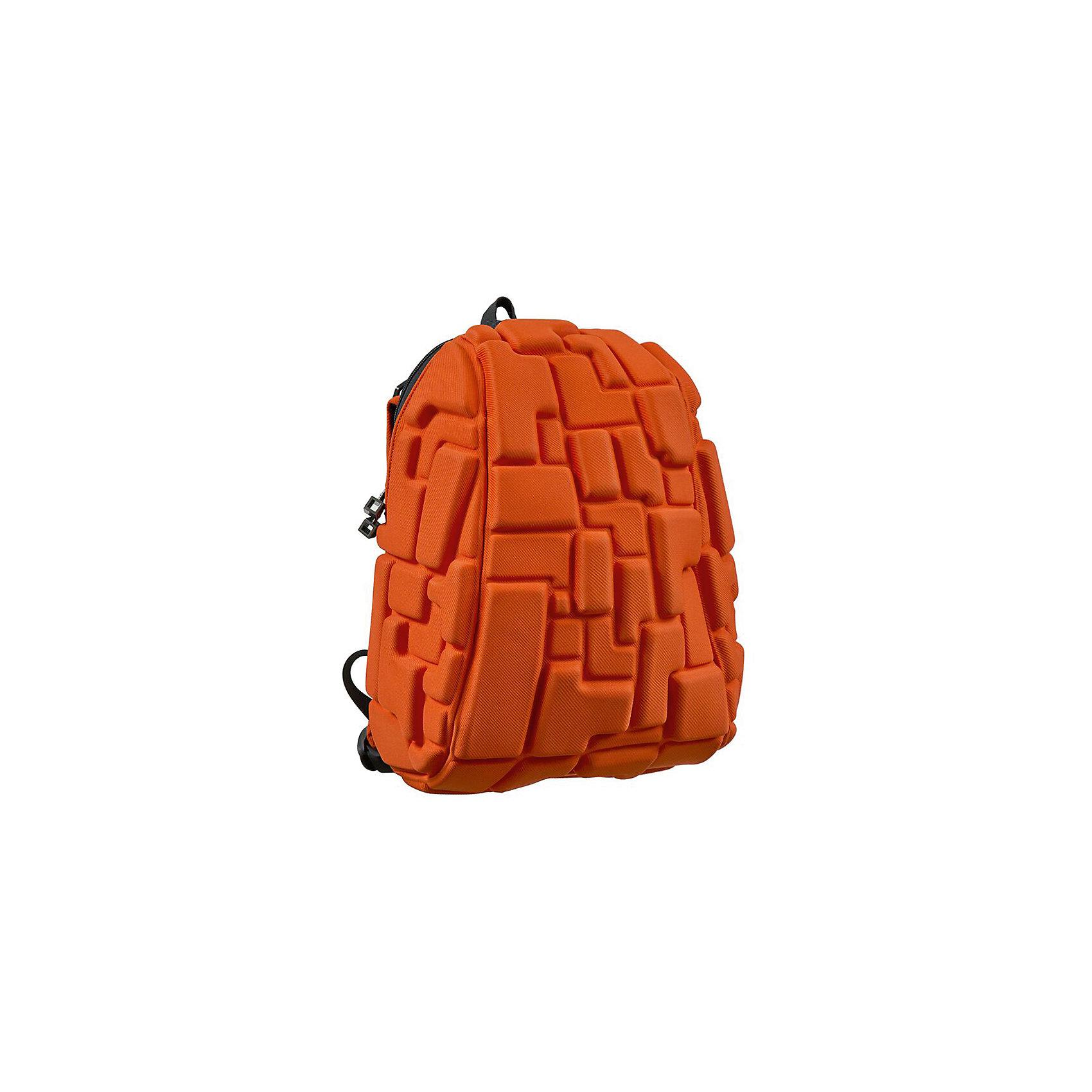 Рюкзак Blok Half, цвет Pass the OJ ( оранжевый)Рюкзаки<br>Характеристики товара:<br><br>• цвет:  Pass the OJ (оранжевый);<br>• возраст: от 3 лет;<br>• вес: 0,6 кг;<br>• размер: 36х30х15 см;<br>• одно отделение на молнии;<br>• вместительный;<br>• лямки регулируются по высоте;<br>• ортопедическая спинка;<br>• карман - окошко для контактной информации;<br>• материал: полиспандекс;<br>• страна бренда: США;<br>• страна изготовитель: Китай.<br><br>Рюкзаки Madpax отличаются оригинальностью дизайна. Рельефное покрытие рюкзака «Blok Half» напоминает футуристические строительные блоки.<br><br>Он способен вместить практически все вещи владельца, внутри достаточно просторно. Эргономичные ручки дают возможность без лишних усилий переносить тяжелую сумку за спиной. Вентилируемым материал на ортопедической спинке создаст комфорт. Внутри 2 отделения: большое для основных вещей и отделение для папки формата А4 или планшета с диагональю до 13 дюймов. Этот рюкзак придаст индивидуальность его владельцу.<br><br>Рюкзак Madpax «Blok Half» можно купить в нашем интернет-магазине.<br><br>Ширина мм: 360<br>Глубина мм: 300<br>Высота мм: 150<br>Вес г: 600<br>Возраст от месяцев: 36<br>Возраст до месяцев: 720<br>Пол: Унисекс<br>Возраст: Детский<br>SKU: 7054120