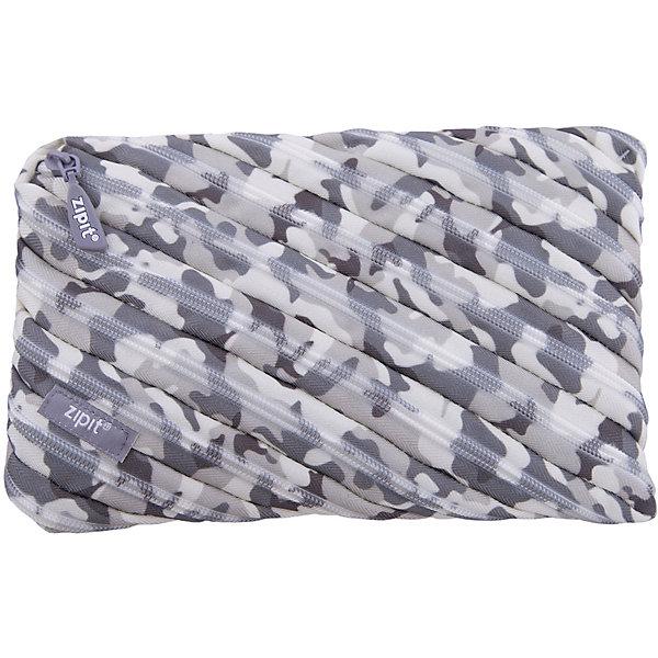 Пенал-сумочка CAMO JUMBO POUCH, цвет серый камуфляжПеналы без наполнения<br>Характеристики товара:<br><br>• цвет: серый камуфляж;<br>• возраст: от 3 лет;<br>• вес: 0,1 кг;<br>• размер: 23х2х15 см;<br>• одно вместительное отделение;<br>• изготовлен из длинной молнии;<br>• молнию можно полностью расстегнуть;<br>• материал: полиэстер;<br>• страна бренда: США;<br>• страна изготовитель: Китай.<br><br>Этот пенал из гибкой молнии выполнен в приятном камуфляжном оттенке. Стоит обратить внимание на его практичный размер и форму, надежную застежку и вместительность. <br><br>Аксессуар вполне может послужить не только школьникам! Его можно использовать как косметичку, сумку для мелочей, чехол для техники. Стильные детали и актуальная расцветка – это дополнительные плюсы модели. <br><br>Пенал-сумочка «Camo Jumbo Pouch» можно купить в нашем интернет-магазине.<br><br>Ширина мм: 230<br>Глубина мм: 20<br>Высота мм: 150<br>Вес г: 100<br>Возраст от месяцев: 36<br>Возраст до месяцев: 720<br>Пол: Унисекс<br>Возраст: Детский<br>SKU: 7054166