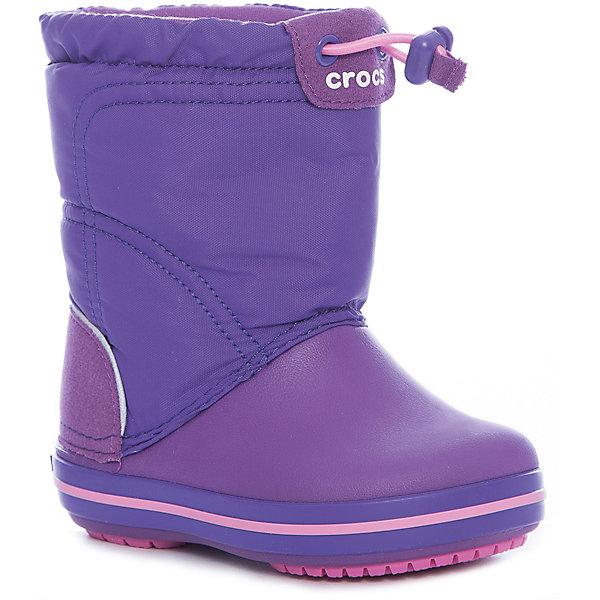 Сноубутсы Crocband LodgePoint Boot K для девочкиСноубутсы<br>Характеристики товара:<br><br>• цвет: фиолетовый<br>• внешний материал: водоотталкивающий нейлон<br>• внутренний материал: текстиль<br>• стелька: текстиль<br>• подошва: Croslite, резина<br>• сезон: демисезон<br>• температурный режим: от -10 до +5<br>• застежка: утяжка<br>• непромокаемые<br>• защита мыса <br>• подошва не скользит <br>• анатомические <br>• страна бренда: США<br>• страна производства: Китай<br><br>Непромокаемые детские сапоги Крокс обеспечивают ногам тепло и сухость. Эти сапоги Crocs имеют теплую подкладку внутри. Благодаря уникальному материала Croslite в детской обуви Crocs ноги в таких сапогах для ребенка не скользят на различных поверхностях. <br><br>Сапоги Crocband LodgePoint Boot K Crocs (Крокс) можно купить в нашем интернет-магазине.<br>Ширина мм: 257; Глубина мм: 180; Высота мм: 130; Вес г: 420; Цвет: лиловый; Возраст от месяцев: 18; Возраст до месяцев: 21; Пол: Женский; Возраст: Детский; Размер: 23,34/35,24,25,26,27,28,29,30,31/32,33/34; SKU: 7063262;