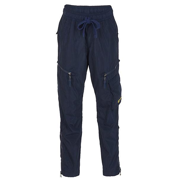 Брюки Gulliver для мальчикаБрюки<br>Брюки Gulliver для мальчика<br>Утепленные джинсы - это возможность быть стильным и современным в любую погоду! Тонкий флис на внутренней части модели не создает ненужного объема, сохраняя актуальную зауженную форму модели, но делает синие джинсы теплыми и уютными. Зимние джинсы с модными потертостями и варкой - залог отличного настроения во время длительных прогулок в холодный и ненастный день.<br>Состав:<br>верх:  98% хлопок  2% эластан;  подкладка:  100% полиэстер<br><br>Ширина мм: 215<br>Глубина мм: 88<br>Высота мм: 191<br>Вес г: 336<br>Цвет: синий<br>Возраст от месяцев: 72<br>Возраст до месяцев: 84<br>Пол: Мужской<br>Возраст: Детский<br>Размер: 122,140,134,128<br>SKU: 7077093