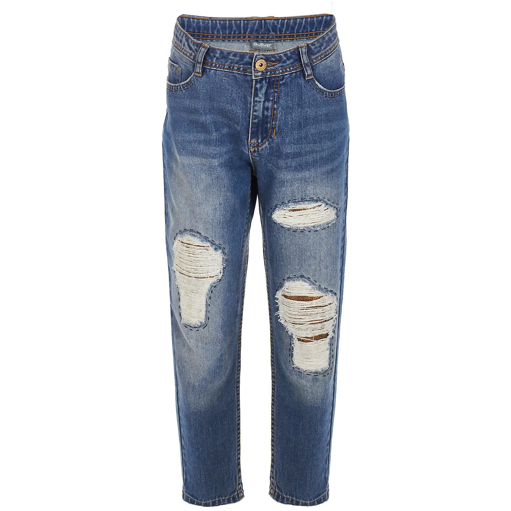 Джинсы Gulliver для девочкиДжинсы<br>Брюки Gulliver для девочки<br>Хит сезона Осень/Зима 2017/2018 - юбка из тонкой искусственной замши! Прекрасный материал, который выглядит интересно и элегантно, но, в отличие от натуральной замши, прост в уходе и способен с легкостью преодолевать многочисленные стирки, делает юбку очень стильной и необычной. Если вы хотите купить детскую юбку, присмотритесь к этой модели! Мягкая, уютная, комфортная, красивая, она подчеркнет индивидуальность девочки-подростка, сделав ее образ интересным и необычным.<br>Состав:<br>верх:  80% полиэстер 20% эластан; подкладка:  50% вискоза  50% полиэстер<br><br>Ширина мм: 215<br>Глубина мм: 88<br>Высота мм: 191<br>Вес г: 336<br>Цвет: синий<br>Возраст от месяцев: 156<br>Возраст до месяцев: 168<br>Пол: Женский<br>Возраст: Детский<br>Размер: 164,146,152,158<br>SKU: 7077186