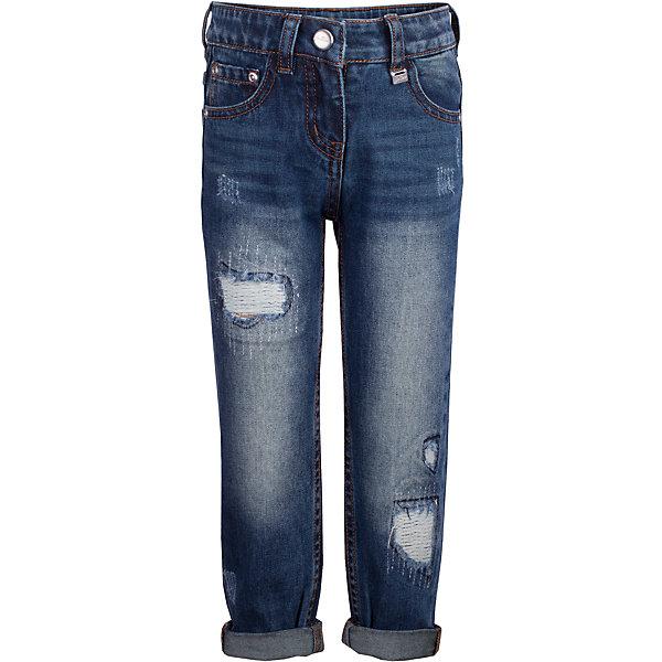 Джинсы Gulliver для девочкиДжинсы<br>Характеристики товара:<br><br>• цвет: синий;<br>• состав: 100% хлопок;<br>• сезон: демисезон;<br>• особенности: с потертостями;<br>• застежка: ширинка на молнии и пуговица;<br>• наличие шлевок для ремня;<br>• с отворотами;<br>• классическая 5-ти карманная модель;<br>• коллекция: Филигрань;<br>• страна бренда: Россия;<br>• страна изготовитель: Китай.<br><br>Что может быть лучше любимых джинсов? Только новые фирменные джинсы силуэта бой френд из коллекции Филигрань! Актуальный крой, модная варка, потертости и повреждения делают джинсы основной стилеобразующей моделью детского гардероба.<br><br>Джинсы Gulliver (Гулливер) можно купить в нашем интернет-магазине.<br><br>Ширина мм: 215<br>Глубина мм: 88<br>Высота мм: 191<br>Вес г: 336<br>Цвет: синий<br>Возраст от месяцев: 24<br>Возраст до месяцев: 36<br>Пол: Женский<br>Возраст: Детский<br>Размер: 98,116,110,104<br>SKU: 7078543