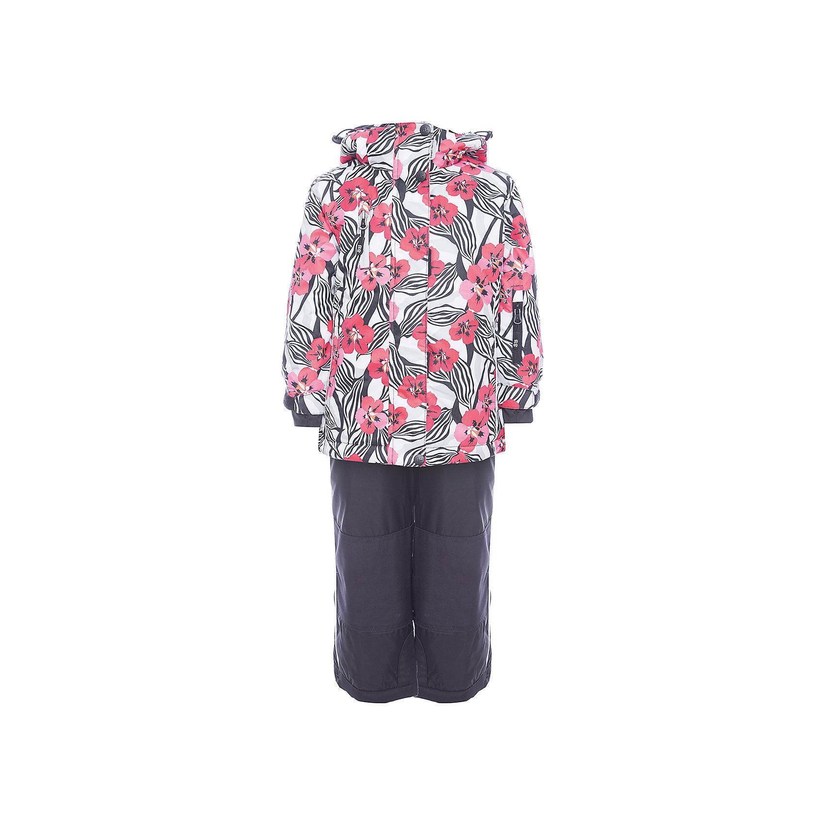 Комплект: куртка и полукомбинезон Sweet Berry для девочкиВерхняя одежда<br>Комплект: куртка и полукомбинезон Sweet Berry для девочки<br>Комфортный и теплый костюм  для девочки из мембранной ткани. В конструкции учтены физиологические особенности малыша. Съемный капюшон на молниях с дополнительной утяжкой, спереди установлены две кнопки.  Рукава с манжетами, регулируются липучкой. На куртке два кармана, застегивающиеся на молнию. Застежка-молния с внешней ветрозащитной планкой. Брюки на регулируемых подтяжках гарантируют посадку по фигуре.  Колени, задняя поверхность бедер и низ брюк дополнительно усилены сверхпрочным материалом. Силиконовые отстегивающиеся штрипки на брючинах. Ткань верха: мембрана 5000мм/5000г/м2/24h, waterproof, водонепроницаемая с грязеотталкивающей пропиткой.<br>Пoдкладка: флис<br>Утеплитель: синтетический утеплитель 220 г/м? (куртка),<br>180 г/м? (рукава, п/комбинезон). Температурный режим: от -35 до +5 С<br>Состав:<br>Верх: куртка: 100%полиэстер, полукомбинезон:  100%нейлон.  Подкладка: 100%полиэстер. Наполнитель: 100%полиэстер<br><br>Ширина мм: 356<br>Глубина мм: 10<br>Высота мм: 245<br>Вес г: 519<br>Цвет: черный<br>Возраст от месяцев: 96<br>Возраст до месяцев: 108<br>Пол: Женский<br>Возраст: Детский<br>Размер: 134,92,98,104,110,116,122,128<br>SKU: 7094125