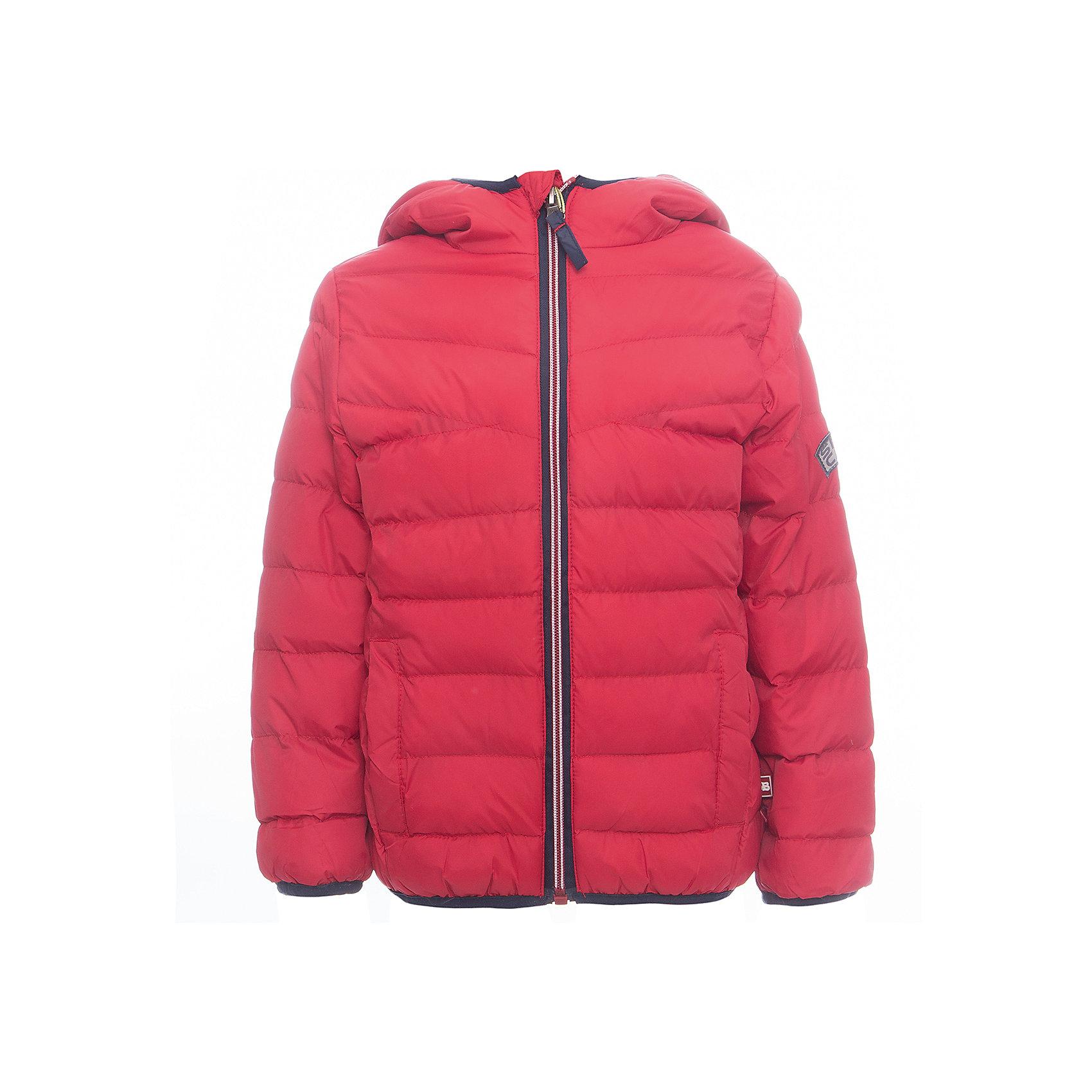 Куртка Sweet Berry для мальчикаВерхняя одежда<br>Куртка Sweet Berry для мальчика<br>Яркая стеганая куртка с несъемным капюшоном для мальчика. Два прорезных кармана. Капюшон, рукава и низ изделия с контрастной окантовочной резинкой. Куртка застегивается на молнию.<br>Состав:<br>Верх: 100% нейлон Подкладка: 100% полиэстер Наполнитель 100% полиэстер<br><br>Ширина мм: 356<br>Глубина мм: 10<br>Высота мм: 245<br>Вес г: 519<br>Цвет: красный<br>Возраст от месяцев: 84<br>Возраст до месяцев: 96<br>Пол: Мужской<br>Возраст: Детский<br>Размер: 128,98,104,110,116,122<br>SKU: 7094608