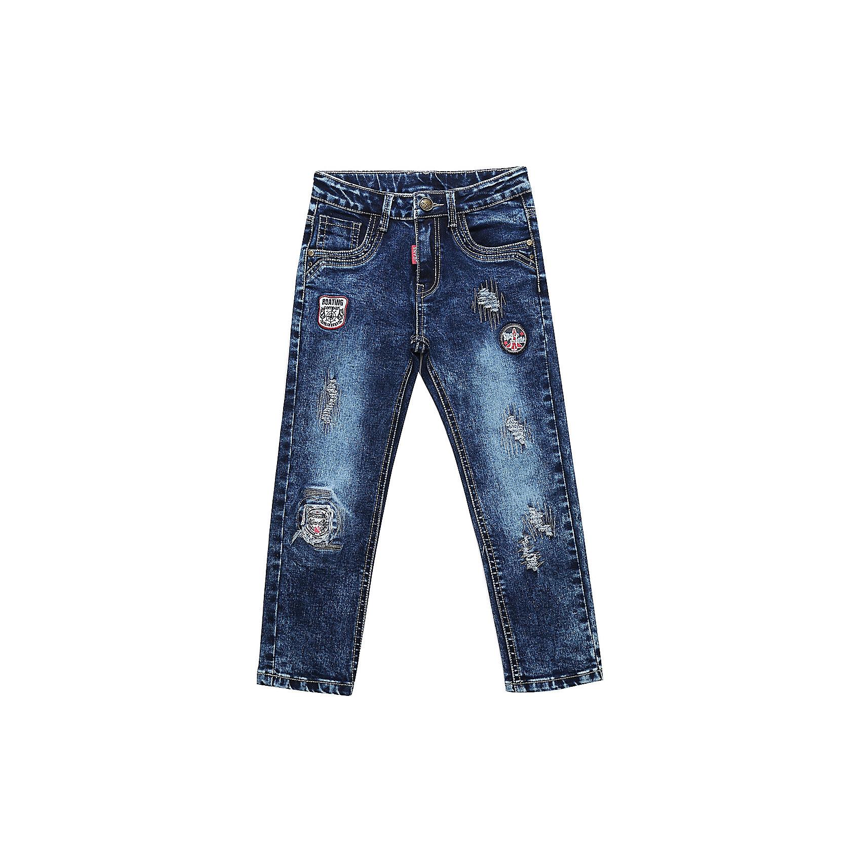 Брюки Sweet Berry для мальчикаДжинсы<br>Брюки Sweet Berry для мальчика<br>Ультрамодные джинсовые брюки для мальчика. Декорированы оригинальной варкой, потёртостями и аппликацией. Зауженный крой, средняя посадка. Застегиваются на молнию и крючок. Шлевки на поясе рассчитаны под ремень. В боковой части пояса находятся вшитые эластичные ленты, регулирующие посадку по талии.<br>Состав:<br>98% хлопок, 2% спандекс<br><br>Ширина мм: 215<br>Глубина мм: 88<br>Высота мм: 191<br>Вес г: 336<br>Цвет: синий<br>Возраст от месяцев: 24<br>Возраст до месяцев: 36<br>Пол: Мужской<br>Возраст: Детский<br>Размер: 98,128,122,116,110,104<br>SKU: 7094720