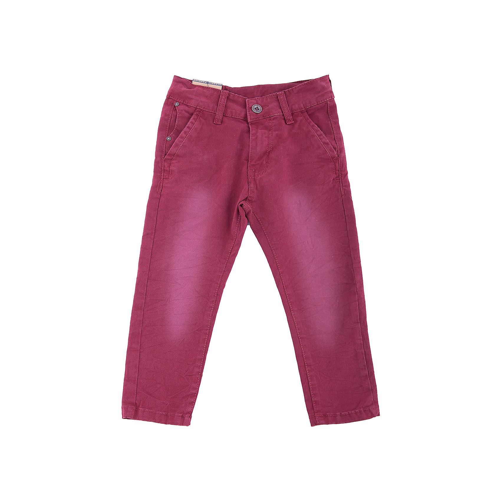 Брюки Sweet Berry для мальчикаДжинсы<br>Брюки Sweet Berry для мальчика<br>Яркие текстильные брюки для мальчика. Застегиваются на молнию и пуговицу. Шлевки на поясе рассчитаны под ремень. В боковой части пояса находятся вшитые эластичные ленты, регулирующие посадку по талии. Зауженный крой, средняя посадка.<br>Состав:<br>97% хлопок, 3% спандекс<br><br>Ширина мм: 215<br>Глубина мм: 88<br>Высота мм: 191<br>Вес г: 336<br>Цвет: бордовый<br>Возраст от месяцев: 72<br>Возраст до месяцев: 84<br>Пол: Мужской<br>Возраст: Детский<br>Размер: 122,128,98,104,110,116<br>SKU: 7094798