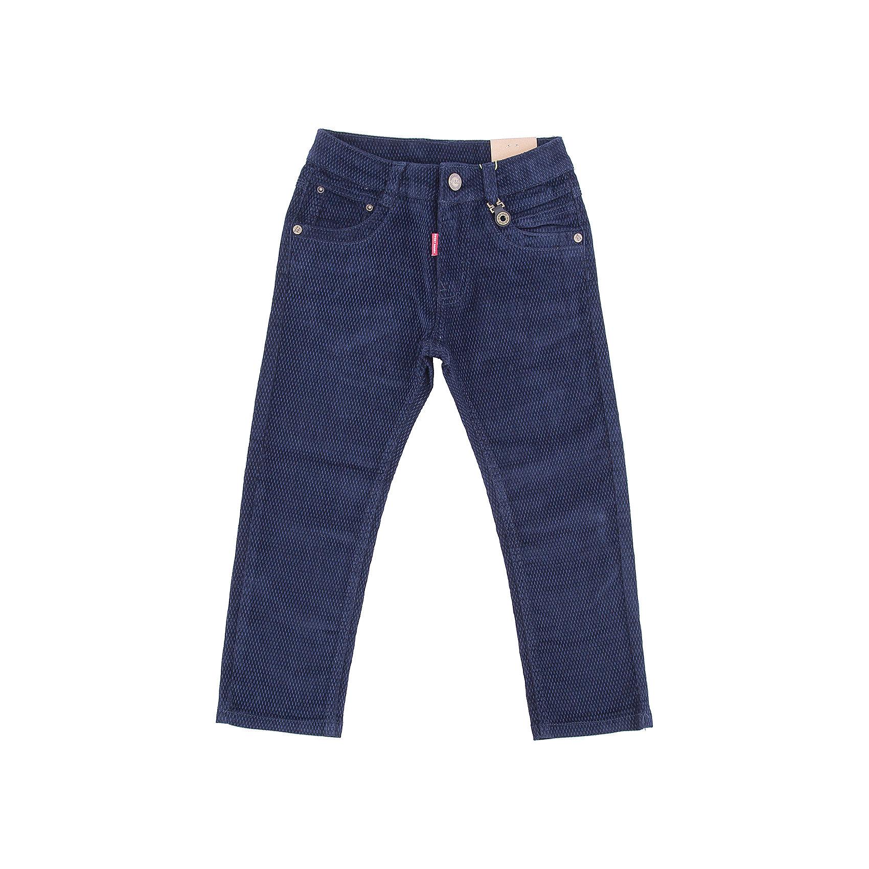 Брюки Sweet Berry для мальчикаБрюки<br>Брюки Sweet Berry для мальчика<br>Стильные вельветовые брюки для мальчика. Прямой крой, средняя посадка. Шлевки на поясе рассчитаны под ремень. В боковой части пояса находятся вшитые эластичные ленты, регулирующие посадку по талии. Средняя посадка.<br>Состав:<br>98% хлопок, 2% спандекс<br><br>Ширина мм: 215<br>Глубина мм: 88<br>Высота мм: 191<br>Вес г: 336<br>Цвет: синий<br>Возраст от месяцев: 84<br>Возраст до месяцев: 96<br>Пол: Мужской<br>Возраст: Детский<br>Размер: 128,98,104,110,116,122<br>SKU: 7094952