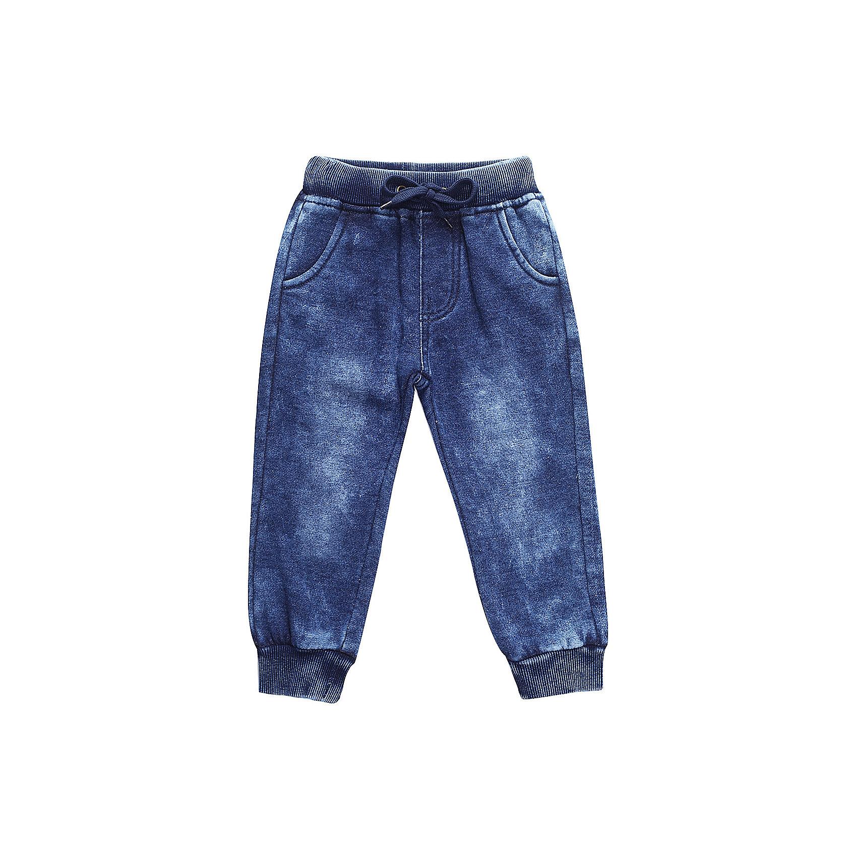 Брюки Sweet Berry для мальчикаДжинсы<br>Брюки Sweet Berry для мальчика<br>Трикотажные брюки для мальчика темно-синего цвета декорированные оригинальной варкой под джинсу, низ брючин собран на мягкие манжеты. Пояс-резинка дополнен шнуром для регулирования объема по талии.<br>Состав:<br>98% хлопок, 2% спандекс<br><br>Ширина мм: 215<br>Глубина мм: 88<br>Высота мм: 191<br>Вес г: 336<br>Цвет: синий<br>Возраст от месяцев: 24<br>Возраст до месяцев: 36<br>Пол: Мужской<br>Возраст: Детский<br>Размер: 98,80,86,92<br>SKU: 7095559