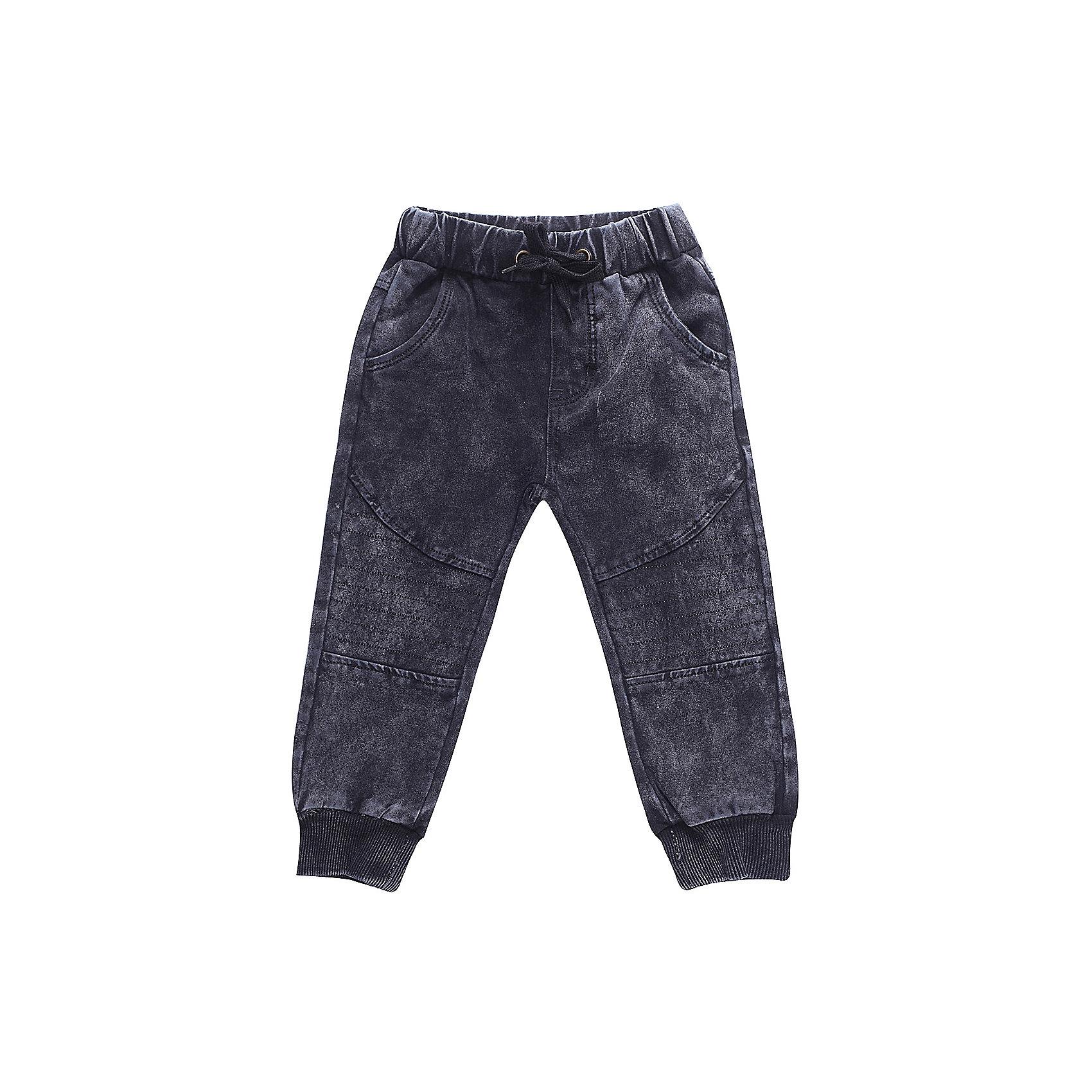 Брюки Sweet Berry для мальчикаДжинсы<br>Брюки Sweet Berry для мальчика<br>Трикотажные брюки для мальчика темно-серого цвета декорированные оригинальной варкой под джинсу, низ брючин собран на мягкие манжеты. Пояс-резинка дополнен шнуром для регулирования объема по талии.<br>Состав:<br>98% хлопок, 2% спандекс<br><br>Ширина мм: 215<br>Глубина мм: 88<br>Высота мм: 191<br>Вес г: 336<br>Цвет: серый<br>Возраст от месяцев: 24<br>Возраст до месяцев: 36<br>Пол: Мужской<br>Возраст: Детский<br>Размер: 98,80,86,92<br>SKU: 7095619