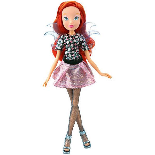 Кукла Winx Club WOW Лофт Блум, 35 смПопулярные игрушки<br>Характеристики товара:<br><br>• возраст: от 3 лет;<br>• материал: пластик;<br>• размер упаковки: 35х21х6 см;<br>• вес: 245 гр.;<br>•высота куклы: 28 см;<br>•упаковка: коробка;<br>•страна производитель: Китай;<br>• бренд: Winx Club.<br><br>Кукла Winx Club из коллекции «WOW Лофт» Блум приглашает каждую любительницу мультипликационного сериала Winx на встречу приключениям. Образ куклы в точности повторяет образ героини в новом мультсериале «Мир Винкс», где феи обитают в обычном мире и, скрывая свои способности, ищут талантливых людей в шоу под названием WOW.<br><br>Блум одета в розовую блестящую юбку и черную майку. На ногах у неё стильные блестящие колготки в сеточку и голубые босоножки. За спиной у куклы почти невидимые голубые крылышки, которые фее приходится скрывать.<br><br>Талант Блум – умение рисовать, поэтому в комплекте с куклой идет мольберт с красками и кисточкой.<br><br>Ноги и руки у куклы подвижные, их можно сгибать в суставах и придавать фее различные позы. Кукла в точности повторяет черты лица своего мультипликационного прототипа. Ярко-рыжие волосы Блум выполнены из гладкого нейлона высокого качества и надежно прошиты. Волосы можно без проблем расчесывать и укладывать, так как они не запутываются.<br><br>Куклу Winx Club «WOW Лофт» Блум можно купить в нашем интернет-магазине.<br>Ширина мм: 210; Глубина мм: 60; Высота мм: 350; Вес г: 225; Возраст от месяцев: 36; Возраст до месяцев: 120; Пол: Женский; Возраст: Детский; SKU: 7097674;