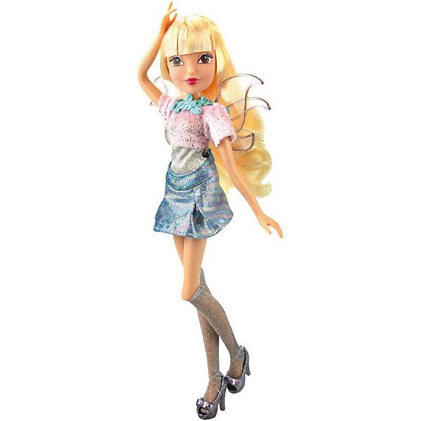 Кукла Winx Club WOW Лофт Стелла, 35 смWinx Club<br>Характеристики товара:<br><br>• возраст: от 3 лет;<br>• материал: пластик;<br>• размер упаковки: 35х21х6 см;<br>• вес: 245 гр.;<br>•высота куклы: 28 см;<br>•упаковка: коробка;<br>•страна производитель: Китай;<br>• бренд: Winx Club.<br><br>Кукла Winx Club из коллекции «WOW Лофт» Стелла приглашает каждую любительницу мультипликационного сериала Winx на встречу приключениям. Образ куклы в точности повторяет образ героини в новом мультсериале «Мир Винкс», где феи обитают в обычном мире и, скрывая свои способности, ищут талантливых людей в шоу под названием WOW.<br><br>Стелла одета в синюю сияющую юбку и розовый топ. На ногах у неё стильные гольфы в сеточку и блестящие туфельки. За спиной у куклы почти невидимые крылышки, которые фея скрывает от внешнего мира.<br><br>Стелла – модница, которая умеет ухаживать за собой, поэтому в комплекте с куклой идут бигуди, расческа и фен. <br><br>Ноги и руки у куклы подвижные, их можно сгибать в суставах и придавать фее различные позы. Кукла в точности повторяет черты лица своего мультипликационного прототипа. Длинные светлые волосы Стеллы выполнены из гладкого нейлона высокого качества и надежно прошиты. Волосы можно без проблем расчесывать и укладывать, так как они не запутываются.<br><br>Куклу Winx Club «WOW Лофт» Стелла можно купить в нашем интернет-магазине.<br>Ширина мм: 210; Глубина мм: 60; Высота мм: 350; Вес г: 225; Возраст от месяцев: 36; Возраст до месяцев: 120; Пол: Женский; Возраст: Детский; SKU: 7097676;