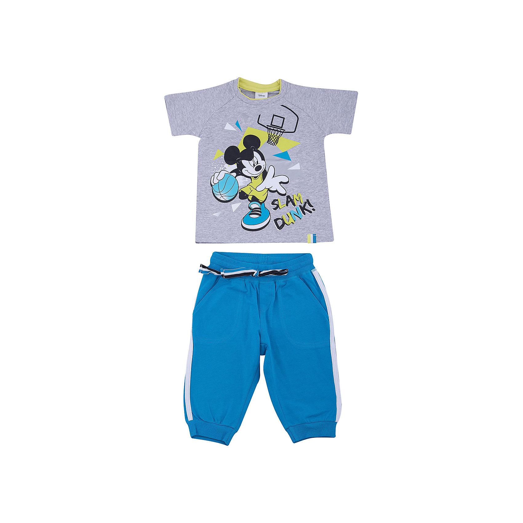 Комплект: футболка и брюки PlayToday для мальчикаКомплекты<br>Комплект: футболка и брюки PlayToday для мальчика<br>Комплект из футболки и брюк сможет быть и повседневной, и домашней одеждой. Брюки на широкой резинке, не сдавливающей живот ребенка, с регулируемым шнуром - кулиской, дополнены карманами. Низ брючин на мягких манжетах. Горловина футболки усилена специальной плотной вставкой, которая защищает изделие от деформации. В качестве декора использован яркий лицензированный принт.<br>Состав:<br>95% хлопок, 5% эластан<br><br>Ширина мм: 199<br>Глубина мм: 10<br>Высота мм: 161<br>Вес г: 151<br>Цвет: белый<br>Возраст от месяцев: 108<br>Возраст до месяцев: 120<br>Пол: Мужской<br>Возраст: Детский<br>Размер: 140,98,104,110,116,122,128,134<br>SKU: 7107506