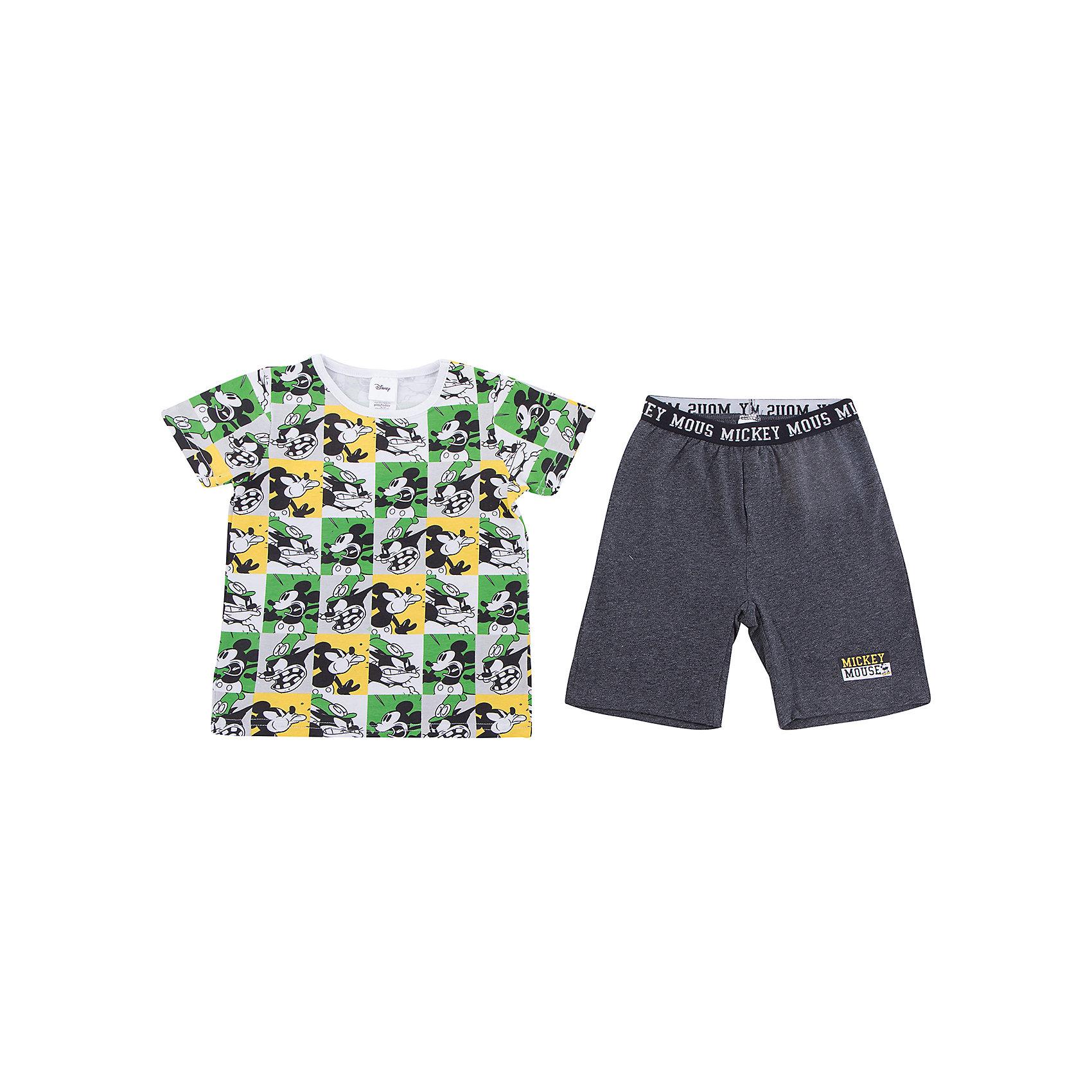 Комплект: футболка и шорты PlayToday для мальчикаКомплекты<br>Комплект: футболка и шорты PlayToday для мальчика<br>Комплект из футболки и шорт сможет быть и домашней одеждой, и уютной пижамой. Шорты на широкой резинке, не сдавливающей живот ребенка. Футболка из яркой ткани с лицензированным принтом. Натуральный материал приятен к телу и не вызывает раздражений нежной детской кожи.<br>Состав:<br>95% хлопок, 5% эластан<br><br>Ширина мм: 199<br>Глубина мм: 10<br>Высота мм: 161<br>Вес г: 151<br>Цвет: белый<br>Возраст от месяцев: 84<br>Возраст до месяцев: 96<br>Пол: Мужской<br>Возраст: Детский<br>Размер: 128,98,104,110,116,122<br>SKU: 7107648