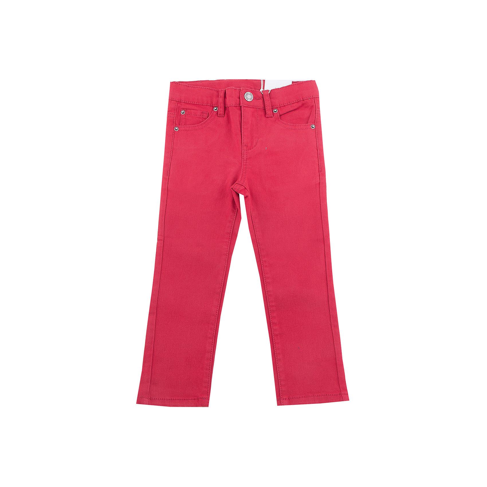 Брюки PlayToday для мальчикаБрюки<br>Брюки PlayToday для мальчика<br>Велюровые классические 5-ти карманные брюки. Добавление в материал эластана позволяют изделию хорошо сесть по фигуре. Модель со шлевками, при необходимости можно использовать ремень.<br>Состав:<br>97% хлопок, 3% эластан<br><br>Ширина мм: 215<br>Глубина мм: 88<br>Высота мм: 191<br>Вес г: 336<br>Цвет: красный<br>Возраст от месяцев: 84<br>Возраст до месяцев: 96<br>Пол: Мужской<br>Возраст: Детский<br>Размер: 128,98,104,110,116,122<br>SKU: 7111379
