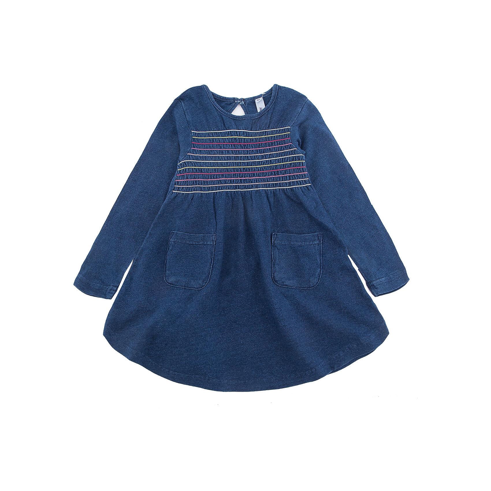 Платье PlayToday для девочкиПлатья и сарафаны<br>Платье PlayToday для девочки<br>Классическое платье свободного кроя - отличное решение для повседневного гардеробв. Модель с округлым вырезом, дополнена накладными карманами и декорирована контрастными швами. Натуральный материал не вызывает раздражений.<br>Состав:<br>95% хлопок, 5% эластан<br><br>Ширина мм: 236<br>Глубина мм: 16<br>Высота мм: 184<br>Вес г: 177<br>Цвет: синий<br>Возраст от месяцев: 84<br>Возраст до месяцев: 96<br>Пол: Женский<br>Возраст: Детский<br>Размер: 128,98,104,110,116,122<br>SKU: 7115463