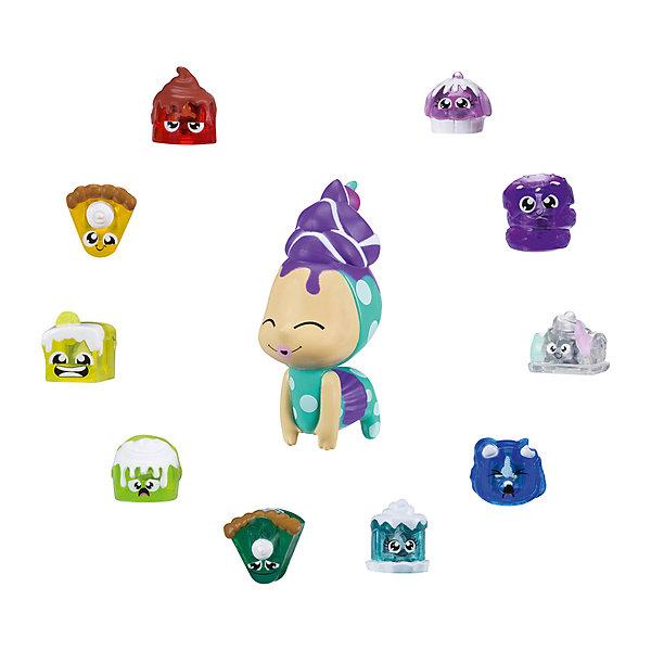 Набор сокровищ луналюкс Hasbro Hanazuki, сладостиФигурки из мультфильмов<br>Характеристики товара:<br><br>• возраст: от 6 лет;<br>• комплект: 11 фигурок (10 сокровищ разных цветов, 1 Литл Дример);<br>• материал: пластик;<br>• размер упаковки: 23х4х20 см;<br>• упаковка: картонная коробка блистерного типа;<br>• страна обладатель бренда: США.<br><br>Набор фигурок-сокровищ Ханазуки Луналюкс (Hanazuki Lunalux) создан по мотивам популярного анимационного сериала, который был с успехом запущен американской компанией Hasbro!<br><br>В центре сюжета мультфильма находится девочка по имени Ханазуки, принадлежащая к роду Лунных цветов. Ее миссия заключается в том, чтобы спасти свой родной мир от вторжения чудовищной силы, способной поглощать жизнь из всего, с чем соприкоснется! Остановить зло в мире Hanazuki возможно лишь с помощью волшебной мощи разнообразных настроений.<br><br>Игровой набор Ханазуки Луналюкс позволяет покупателю стать обладателем 10 небольших фигурок тех самых сокровищ (treasures), а также одной крупной, выполненной в виде существа по имени Little Dreamer. <br><br>Каждая из фигурок-сокровищ в наборе имеет свой собственный цвет и является воплощением определенной эмоции. Благодаря специальной начинке, все эти разноцветные ценности легко распознаются и с успехом используется Технобраслетом, либо же Лунным садом из серии Hanazuki от Hasbro. Когда сокровище задействовано одной из этих игрушек, то запускаются световые эффекты того цвета, что соответствует миниатюрной фигурке! <br><br>Миниатюрного Литл Дримера, отличного от элементов группы сокровищ, легко вводить в собственные игровые сюжеты и истории, либо же использовать в качестве декоративного элемента для комнаты.<br><br>Фигурки-сокровища возможно добавить в свою виртуальную коллекцию, используя специальное мобильное приложение. Так будет гораздо удобнее отслеживать прогресс собирательства и выявить наиболее ценные экземпляры!<br><br>Набор сокровищ луналюкс Hasbro Hanazuki можно купить в нашем интернет-магазин