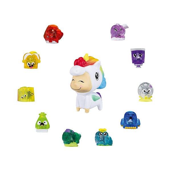 Набор сокровищ луналюкс Hasbro Hanazuki, фантазииФигурки из мультфильмов<br>Характеристики товара:<br><br>• возраст: от 6 лет;<br>• комплект: 11 фигурок (10 сокровищ разных цветов, 1 Литл Дример);<br>• материал: пластик;<br>• размер упаковки: 23х4х20 см;<br>• упаковка: картонная коробка блистерного типа;<br>• страна обладатель бренда: США.<br><br>Набор фигурок-сокровищ Ханазуки Луналюкс (Hanazuki Lunalux) создан по мотивам популярного анимационного сериала, который был с успехом запущен американской компанией Hasbro!<br><br>В центре сюжета мультфильма находится девочка по имени Ханазуки, принадлежащая к роду Лунных цветов. Ее миссия заключается в том, чтобы спасти свой родной мир от вторжения чудовищной силы, способной поглощать жизнь из всего, с чем соприкоснется! Остановить зло в мире Hanazuki возможно лишь с помощью волшебной мощи разнообразных настроений.<br><br>Игровой набор Ханазуки Луналюкс позволяет покупателю стать обладателем 10 небольших фигурок тех самых сокровищ (treasures), а также одной крупной, выполненной в виде существа по имени Little Dreamer.<br><br>Каждая из фигурок-сокровищ в наборе имеет свой собственный цвет и является воплощением определенной эмоции. Благодаря специальной начинке, все эти разноцветные ценности легко распознаются и с успехом используется Технобраслетом, либо же Лунным садом из серии Hanazuki от Hasbro. Когда сокровище задействовано одной из этих игрушек, то запускаются световые эффекты того цвета, что соответствует миниатюрной фигурке!<br><br>Миниатюрного Литл Дримера, отличного от элементов группы сокровищ, легко вводить в собственные игровые сюжеты и истории, либо же использовать в качестве декоративного элемента для комнаты.<br><br>Фигурки-сокровища возможно добавить в свою виртуальную коллекцию, используя специальное мобильное приложение. Так будет гораздо удобнее отслеживать прогресс собирательства и выявить наиболее ценные экземпляры!<br><br>Набор сокровищ луналюкс Hasbro Hanazuki можно купить в нашем интернет-магазине.