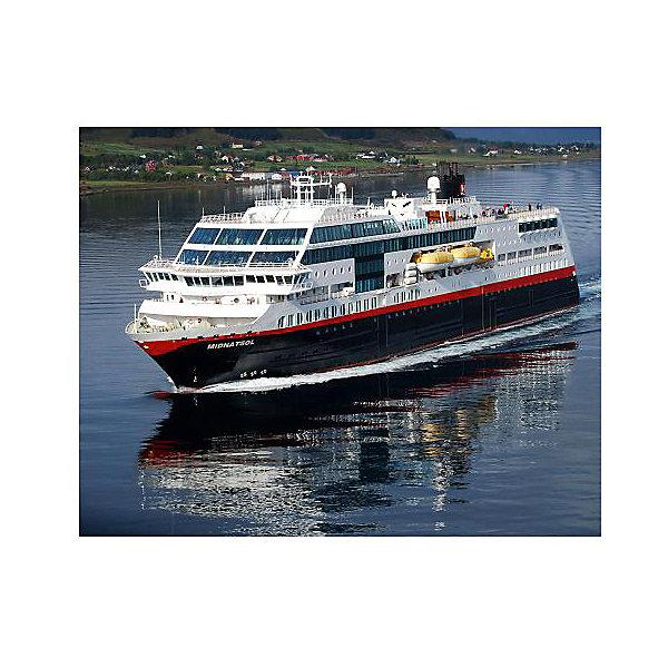 """Круизный лайнер Миднатсол (маршрут Хуртигрутен), норвежскийКорабли и подводные лодки<br>Модель круизного судна """" Midnatsol"""". Корабль, плавающий под норвежским флагом, курсирует между городами Берген и Киркенес. Палубы лайнера способны вместить до 1000 пассажиров и 50 автомобилей. В любой момент судно может быть переделано в плавучий госпиталь, рассчитанный на 200 пациентов. <br>Масштаб: 1:1200 <br>Количество деталей: 42 <br>Длина модели: 113 мм <br>Уровень сложности: 3 <br>Клей и краски в комплект не входят.<br><br>Ширина мм: 207<br>Глубина мм: 132<br>Высота мм: 34<br>Вес г: 90<br>Возраст от месяцев: 120<br>Возраст до месяцев: 2147483647<br>Пол: Мужской<br>Возраст: Детский<br>SKU: 7122327"""