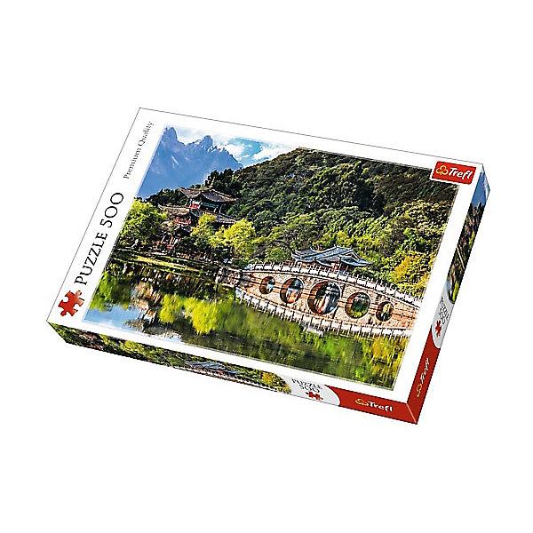 Пазлы «Бассейн Черного дракона, Лицзян, Китай», 500 деталейПазлы классические<br>Характеристики товара:<br><br>• количество деталей: 500 шт.;<br>• размер картинки: 48х34 см;<br>• возраст: от 10 лет;<br>• материал: картон;<br>• размер упаковки: 39,8х26,8х4,5 см;<br>• страна бренда: Польша;<br>• страна производитель: Польша.<br><br>Пазлы «Пруд Черного дракона» помогут не только разнообразить досуг, но и провести время с пользой. Кроме того, готовая картинка с изображением одной из главных достопримечательностей Китая отлично подойдет для украшения комнаты.<br><br>Яркие краски изображения сохраняются в течение долгого времени. Пазл состоит из 500 деталей, изготовленных из плотного высококачественного картона со специальным антибликовым покрытием. Элементы легко соединяются и не деформируются в процессе использования. Сборка пазлов помогает развить концентрацию внимания, усидчивость, а также мелкую моторику рук.<br><br>Пазлы «Бассейн Черного дракона, Лицзян, Китай», 500 деталей, Trefl (Трефл) можно купить в нашем интернет-магазине.<br>Ширина мм: 410; Глубина мм: 378; Высота мм: 266; Вес г: 500; Возраст от месяцев: 120; Возраст до месяцев: 2147483647; Пол: Унисекс; Возраст: Детский; SKU: 7126361;