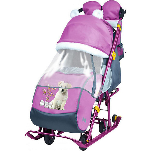 Санки-коляска Ника детям  7-2 (2017), Dog, орхидеяС колесиками<br>Санки-коляска Ника детям  7-2 (2017), Dog, орхидея<br><br>Коляска комбинированная с трансформируемым кузовом позволяет передвигаться по любой дороге. Нажатием ноги на педаль опускаются колеса, и вы можете везти коляску по асфальту или по гладкому полу. Еще одно нажатие — коляска трансформируется в санки и снова скользить по снегу! Крыша, чехол для ножек и ушки на крыше отделаны мехом, на ручку коляски надеваются меховые рукавички для мамы. Яркие детские рисунки на чехле для ног с двумя молниями.<br><br>• механизм смены полозьев на колеса<br>• плоские полозья 40 мм с большими обрезиненными колесами<br>• пятиточечный ремень безопасности<br>• складной высокий трехсекционный козырек с декоративными ушками<br>• спинка регулируется до положения лежа<br>• подножка с регулируемым наклоном ног, позволяющая ребенку в положении лежа комфортно вытягивать ножки<br>• перекидная ручка<br>• чехол для ног с 2-мя молниями для удобного открывания с двух сторон<br>• широкое посадочное место 385 мм<br>• ширина полозьев 445 мм<br>• ширина колесной базы 280 мм<br>• высота санок на полозьях 1000 мм<br>• высота санок на колесах 1060 мм<br>• смотровое окошко для наблюдения за ребенком<br>• светоотражающий кант<br>• удобная, вместительная сумка с кармашками для полезных мелочей<br>• меховые рукавички для мамы<br>• размер в сложенном положении 1105х445х280 мм<br>• вес изделия 10,3 кг<br><br><br>В моделях 2017 года:<br>• новый дизайн сумки с кармашками для полезных мелочей<br>• съемный прозрачный тент от ветра и дождя с двумя молниями, крепится к чехлу коляски на пуговицу для исключения продувания<br>• возможность крепления тента на козырьке коляски с помощью пуговицы для удобства доступа к ребенку<br>• цветной каркас изделия<br>• цветной пластик<br><br>Санки-коляска Ника детям  7-2 (2017), Dog, орхидея, можно купить в нашем интернет-магазине.<br>Ширина мм: 1150; Глубина мм: 470; Высота мм: 460; Вес г: 11500; Цвет: фуксия; Возрас