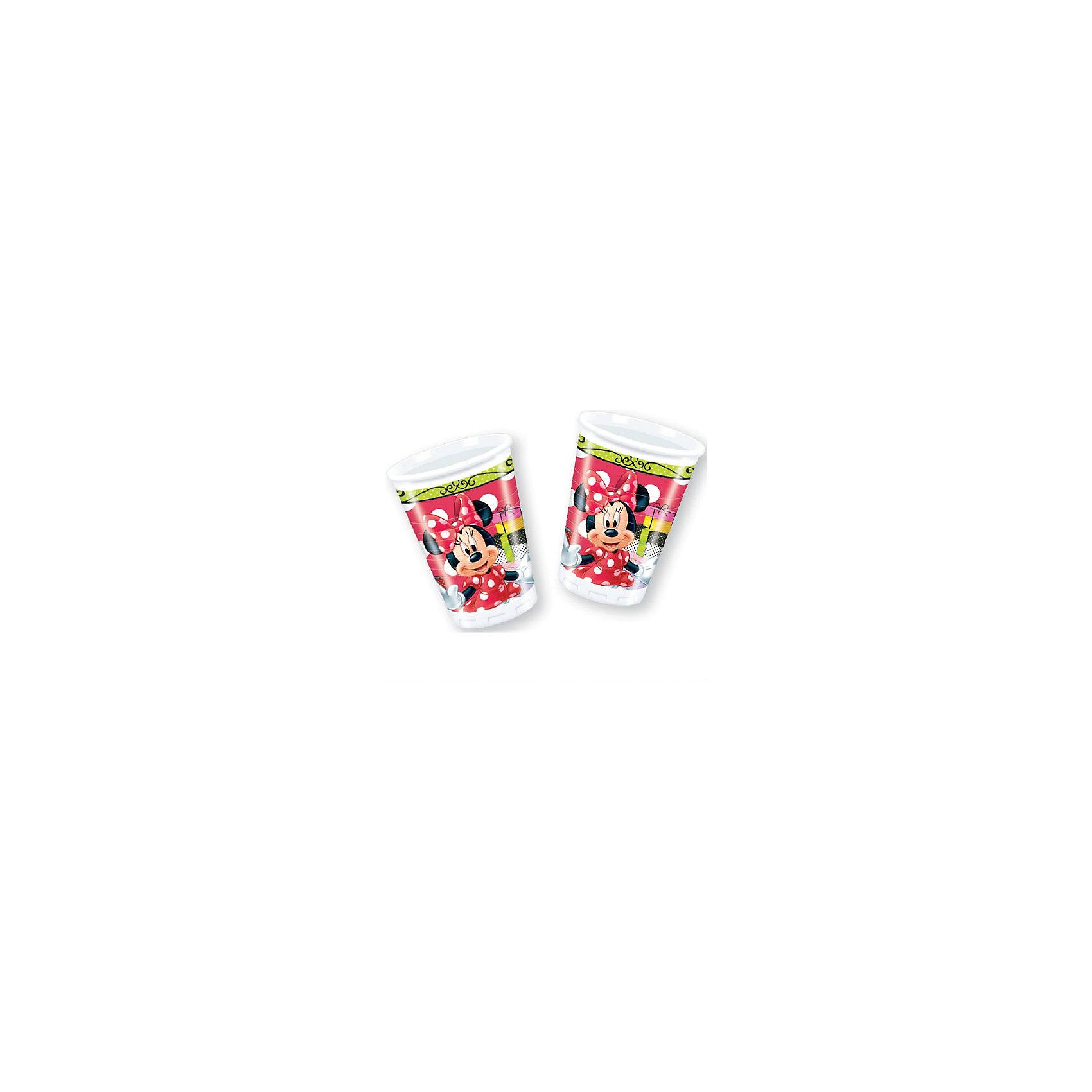 Стаканы пластиковые Стильная Минни 180 мл, 8 шт.Стаканы<br>Минни Маус – это добрая и веселая подружка популярного мышонка Микки из мультиков Дисней. Пластиковые стаканчики из праздничной серии Стильная Минни сделают торжество Вашего ребенка еще интересней, увлекательней и веселей. Ведь детки так любят этих замечательных Диснеевских персонажей. Стаканчики выполнены из прочных и безопасных материалов, не токсичны и противоаллергенны. <br>Объем: 180 мл. <br>Количество: 8 шт. <br>Для детей от 3 лет.<br><br>Ширина мм: 70<br>Глубина мм: 70<br>Высота мм: 125<br>Вес г: 30<br>Возраст от месяцев: 36<br>Возраст до месяцев: 2147483647<br>Пол: Женский<br>Возраст: Детский<br>SKU: 7128896