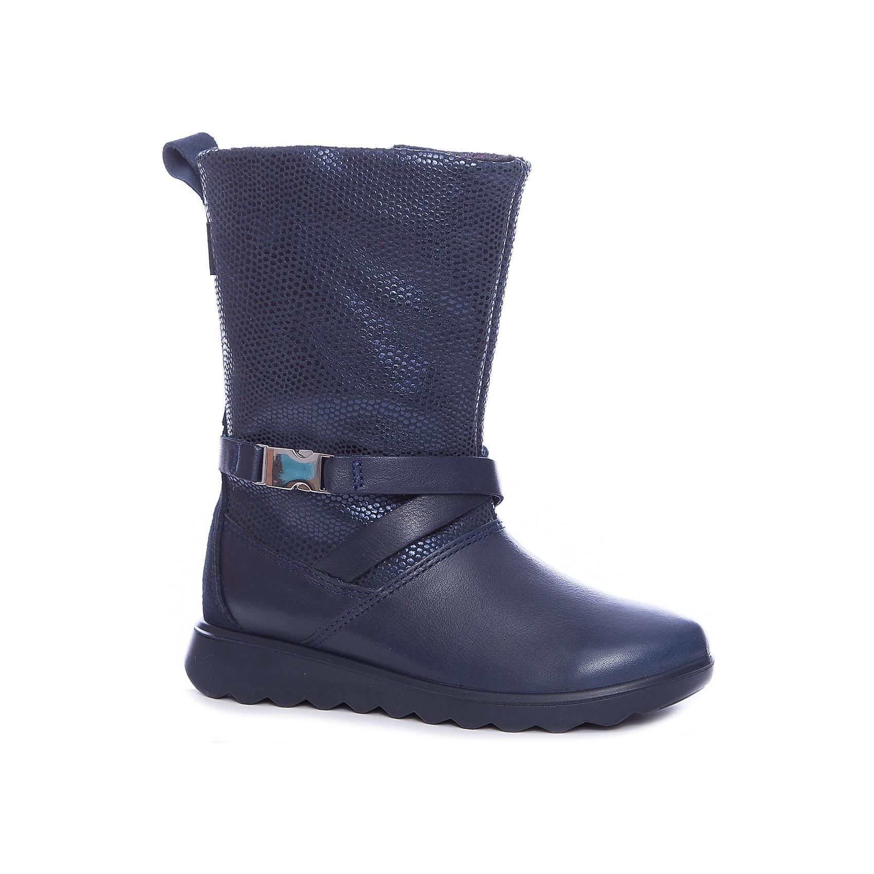 Сапоги ECCO для девочкиСапоги<br>Сапоги ECCO<br>Эти уютные детские ботинки достойны стать модным дополнением любого гардероба благодаря современной отделке и сочетанию натуральной замши и текстиля. Теплая подкладка и водонепроницаемая мембрана GORE-TEX® обеспечивают сухость и комфорт в зимнее время. Молния с внутренней стороны гарантирует, что их легко будет надевать и снимать, а амортизированная подошва смягчает воздействие на стопу при каждом шаге.<br>Состав:<br>Материал верха: кожа/замша<br>Материал подкладки: 60% Акрил 40% Полиэстер<br>Материал стельки: 100% п/э<br><br>Ширина мм: 257<br>Глубина мм: 180<br>Высота мм: 130<br>Вес г: 420<br>Цвет: синий<br>Возраст от месяцев: 48<br>Возраст до месяцев: 60<br>Пол: Женский<br>Возраст: Детский<br>Размер: 28,29,30,31,34,27<br>SKU: 7129819