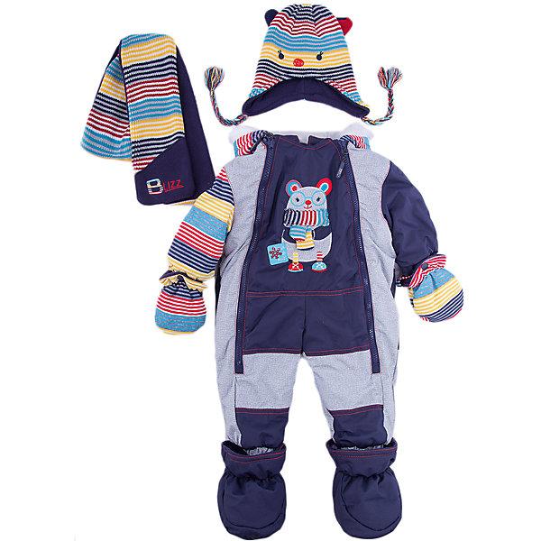 Комбинезон BLIZZ для мальчикаВерхняя одежда<br>Характеристики товара:<br><br>• цвет: синий<br>• комплектация: комбинезон, варежки, пинетки, шарф, шапка<br>• состав ткани: полиэстер<br>• подкладка: флис <br>• утеплитель: тек-полифилл<br>• сезон: зима<br>• мембранное покрытие<br>• температурный режим: от -40 до 0<br>• водонепроницаемость: 5000 мм <br>• паропроницаемость: 5000 г/м2<br>• плотность утеплителя: 220 г/м2<br>• пинетки и рукавицы: съемные<br>• капюшон: несъемный, с мехом<br>• застежка: молния<br>• страна бренда: Канада<br>• страна изготовитель: Китай<br><br>Такой зимний комбинезон для ребенка отличается стильным дизайном. Верх детского комбинезона также обеспечит защиту от грязи, влаги и ветра. Подкладка детского комбинезона для зимы приятная на ощупь. Практичный мембранный комбинезон Blizz для мальчика сделан легкого, но теплого материала. <br><br>Комбинезон Blizz (Близ) для мальчика можно купить в нашем интернет-магазине.<br>Ширина мм: 356; Глубина мм: 10; Высота мм: 245; Вес г: 519; Цвет: синий; Возраст от месяцев: 12; Возраст до месяцев: 15; Пол: Мужской; Возраст: Детский; Размер: 80,92,86; SKU: 7131260;