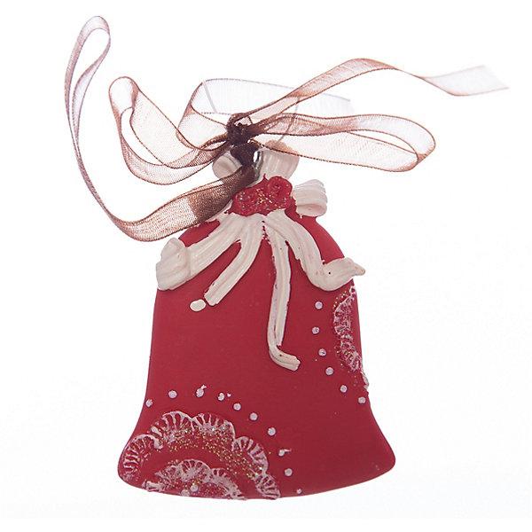 Украшение на елку ErichKrause Колокольчик узорный, 6 смЁлочные игрушки<br>Характеристики:<br><br>• размер: 6 см.<br>• вес: 30 гр.<br><br>Сочетание красного и белого цветов - одно из самых популярных среди новогодних украшений. Красный колокольчик с тонко прорисованным белым орнаментом символизирует гармонию.<br><br>Украшение оснащено красивой ленточкой с помощью, которой его можно подвесить в любом понравившемся месте. Но, конечно же, удачнее всего такая игрушка будет смотреться на праздничной елке.<br><br>Новогодние украшения приносят в дом волшебство и ощущение праздника. Создайте в своем доме атмосферу веселья и радости, украшая всей семьей новогоднюю елку нарядными игрушками, которые будут из года в год накапливать теплоту воспоминаний.<br><br>Украшение КОЛОКОЛЬЧИК узорный 6см можно купить в нашем интернет-магазине.<br>Ширина мм: 55; Глубина мм: 10; Высота мм: 60; Вес г: 30; Возраст от месяцев: -2147483648; Возраст до месяцев: 2147483647; Пол: Унисекс; Возраст: Детский; SKU: 7132474;