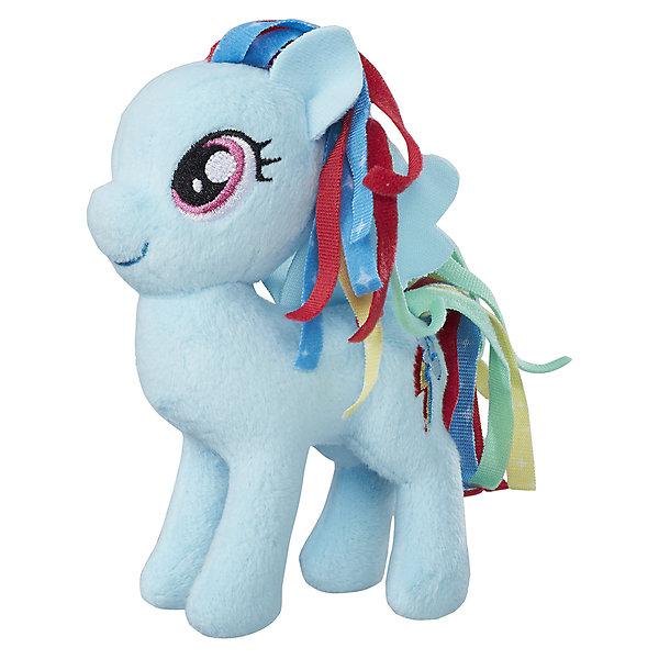 Мягкая игрушка Hasbro My little Pony Маленькие плюшевые пони, Рэйнбоу Дэш 13 смМягкие игрушки из мультфильмов<br>Характеристики товара:<br><br>• возраст: от 3 лет;<br>• материал: плюш;<br>• размер упаковки: 9х21х31 см;<br>• вес: 260 гр;<br>•высота игрушки: 30 см;<br>•страна бренда: США;<br>• бренд: Hasbro.<br><br>Новая серия плюшевых игрушек от My Little Pony понравится каждой любительнице одноименного мультипликационного фильма. Плюшевая пони из этой серии Радуга Дэш готова разделить все игровые идеи девочек.<br><br>Радуга Дэш - это милая голубая пони с радужной гривой и хвостом. У нее розовые глазки и значок радужной молнии, олицетворяющей её, на бедре.<br><br>У игрушки подвижные конечности, что позволяет воплощать различные идеи ребенка в жизнь. Изделие выполнено из высококачественных материалов в яркой цветовой гамме с возможностью машинной стирки.<br><br>Игрушку «Маленькие плюшевые пони My Little Pony» Радуга Дэш можно купить в нашем интернет-магазине.<br><br>Ширина мм: 102<br>Глубина мм: 102<br>Высота мм: 127<br>Вес г: 39<br>Возраст от месяцев: 36<br>Возраст до месяцев: 2147483647<br>Пол: Женский<br>Возраст: Детский<br>SKU: 7140848