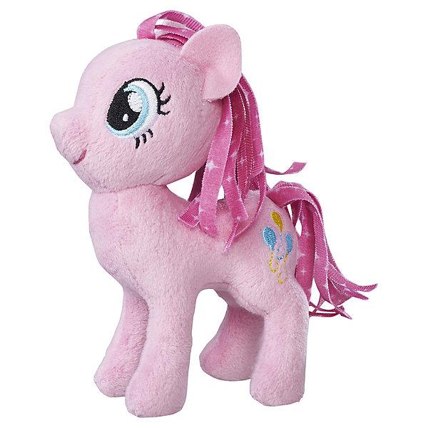 Мягкая игрушка Hasbro My little Pony Маленькие плюшевые пони, Пинки Пай 13 смМягкие игрушки из мультфильмов<br>Характеристики товара:<br><br>• возраст: от 3 лет;<br>• материал: плюш;<br>• размер упаковки: 9х21х31 см;<br>• вес: 260 гр;<br>•высота игрушки: 30 см;<br>•страна бренда: США;<br>• бренд: Hasbro.<br><br>Новая серия плюшевых игрушек от My Little Pony понравится каждой любительнице одноименного мультипликационного фильма. Плюшевая пони из этой серии Пинки Пай готова разделить все игровые идеи девочек.<br><br>Пинки Пай - это яркая пони с нежно-розовой кожей и пышной розовой гривой. Игрушка детально повторяет свой мультипликационный прототип. У нее большие голубые глазки и олицетворяющий её значок с изображением воздушных шариков разного цвета на бедре. <br><br>У игрушки подвижные конечности, что позволяет воплощать различные идеи ребенка в жизнь. Изделие выполнено из высококачественных материалов в яркой цветовой гамме с возможностью машинной стирки.<br><br>Игрушку «Маленькие плюшевые пони My Little Pony» Пинки Пай можно купить в нашем интернет-магазине.<br><br>Ширина мм: 102<br>Глубина мм: 102<br>Высота мм: 127<br>Вес г: 39<br>Возраст от месяцев: 36<br>Возраст до месяцев: 2147483647<br>Пол: Женский<br>Возраст: Детский<br>SKU: 7140849